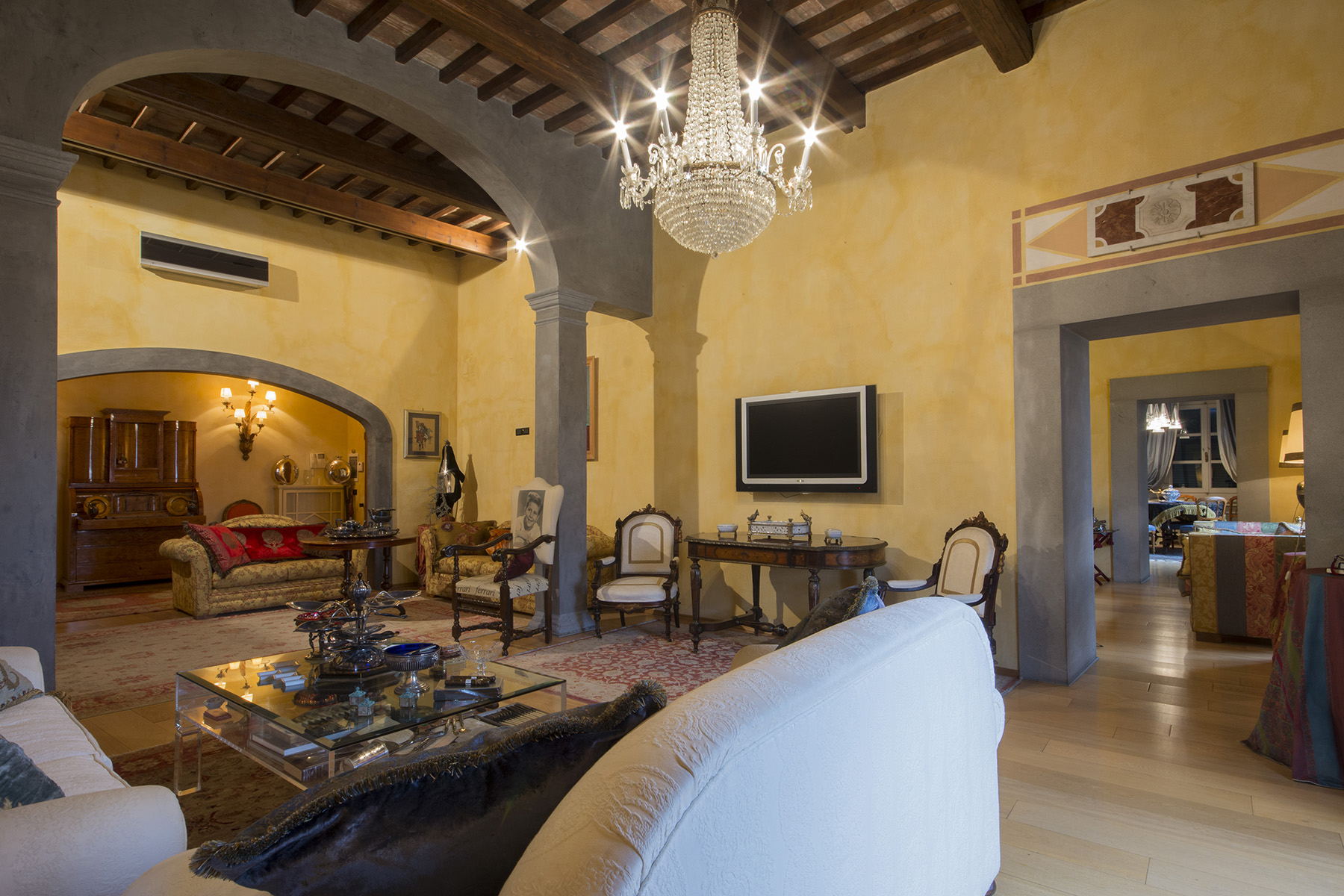 Apartment for Sale at Marvelous apartment on the Lungarno of Pisa Pisa, Pisa Italy