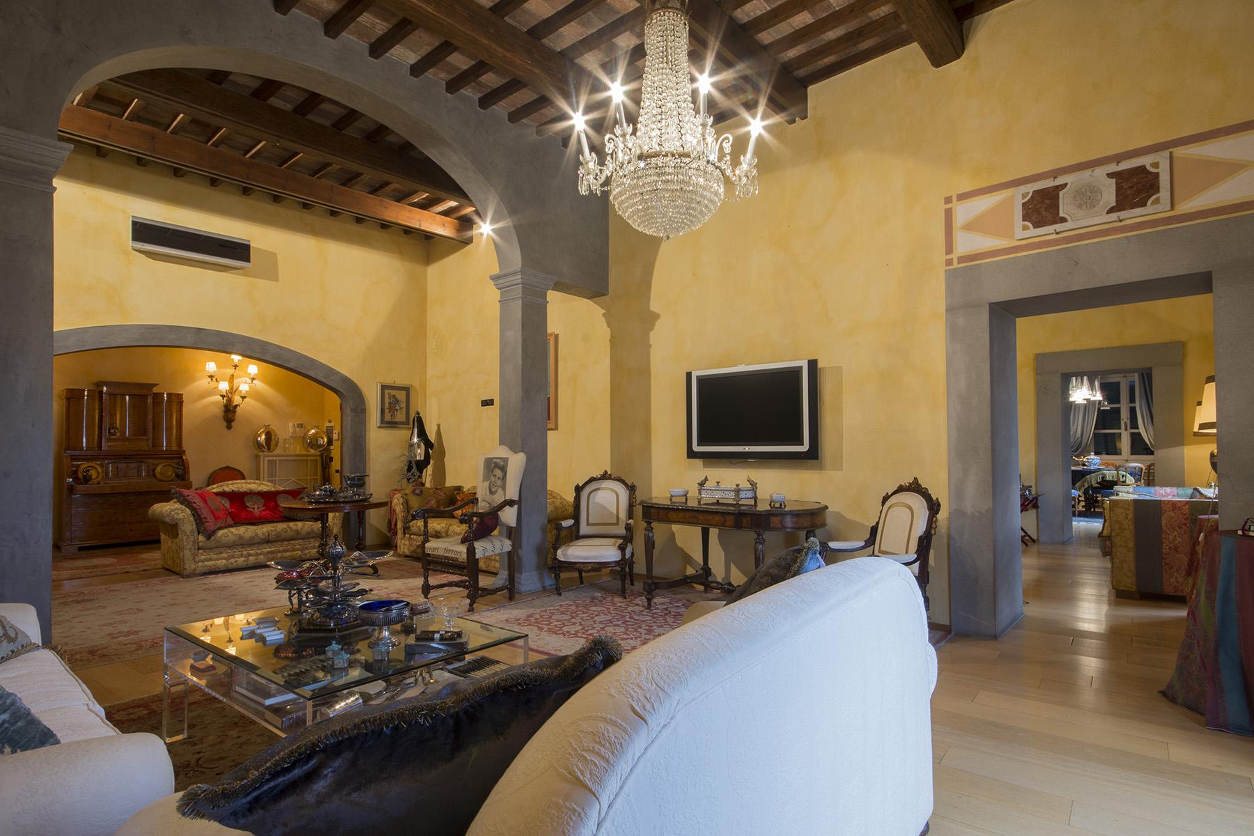 Appartement pour l Vente à Merveilleuse appartement sur le Lungarno de Pisa Pisa, Pisa Italie