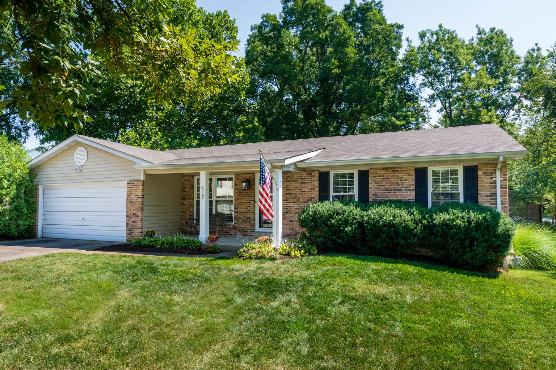 Casa para uma família para Venda às Melanie Meadows Lane 417 Melanie Meadows Lane Ballwin, Missouri 63021 Estados Unidos