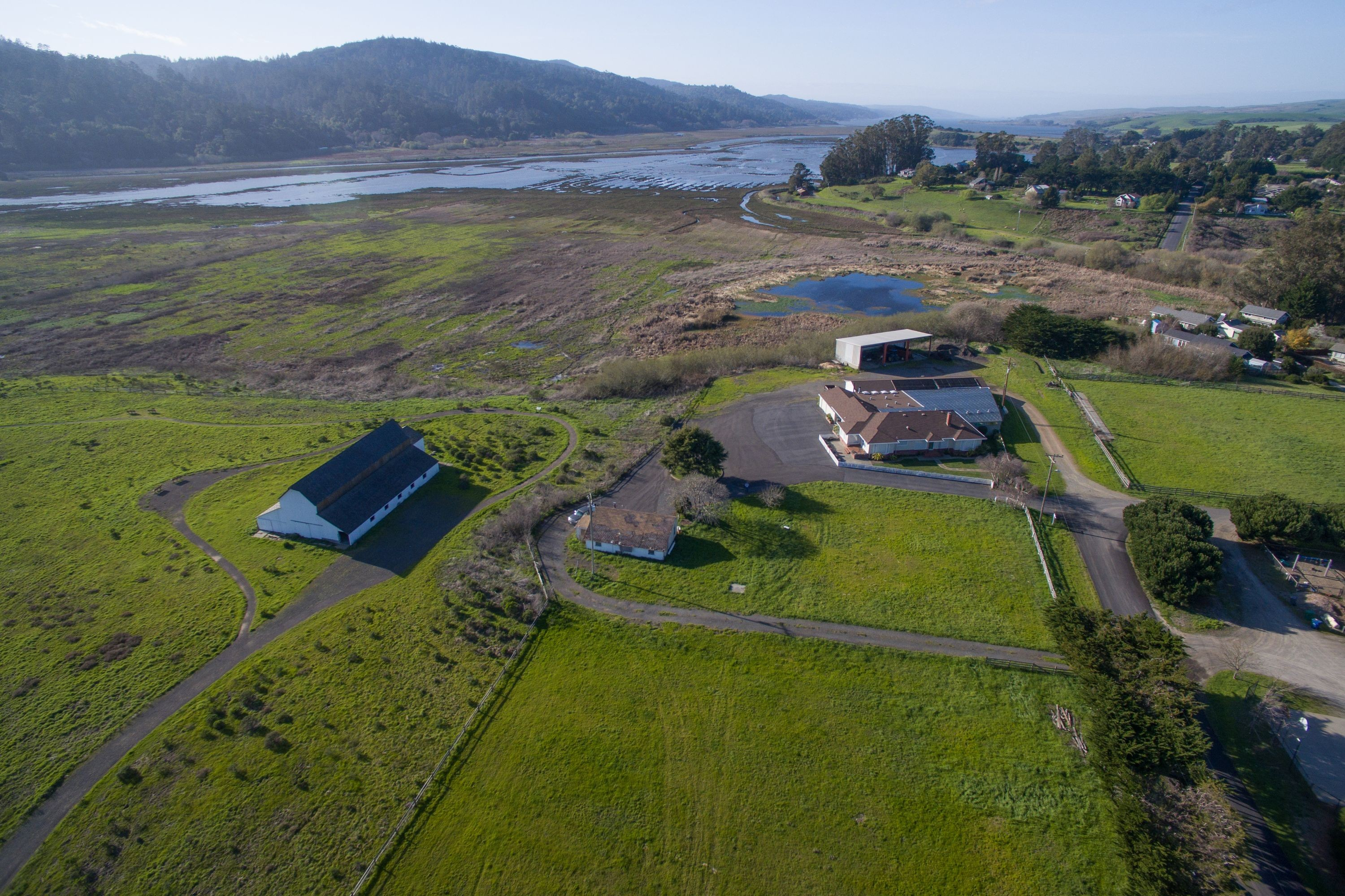 Casa Unifamiliar por un Venta en Iconic West Marin Property 701 C Street Point Reyes Station, California, 94956 Estados Unidos