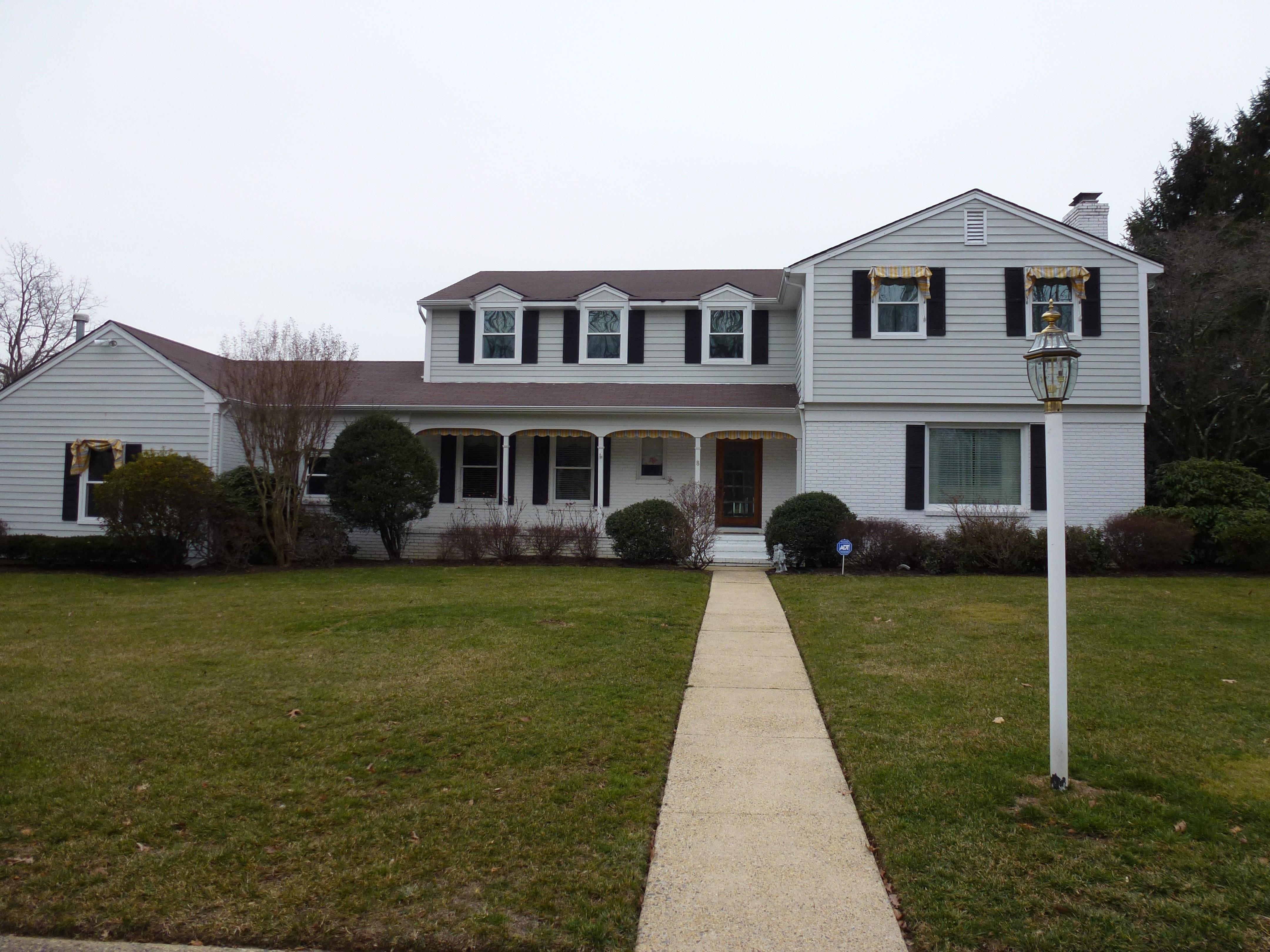 Частный односемейный дом для того Продажа на 8 S. Arlene Dr. West Long Branch, 07764 Соединенные Штаты