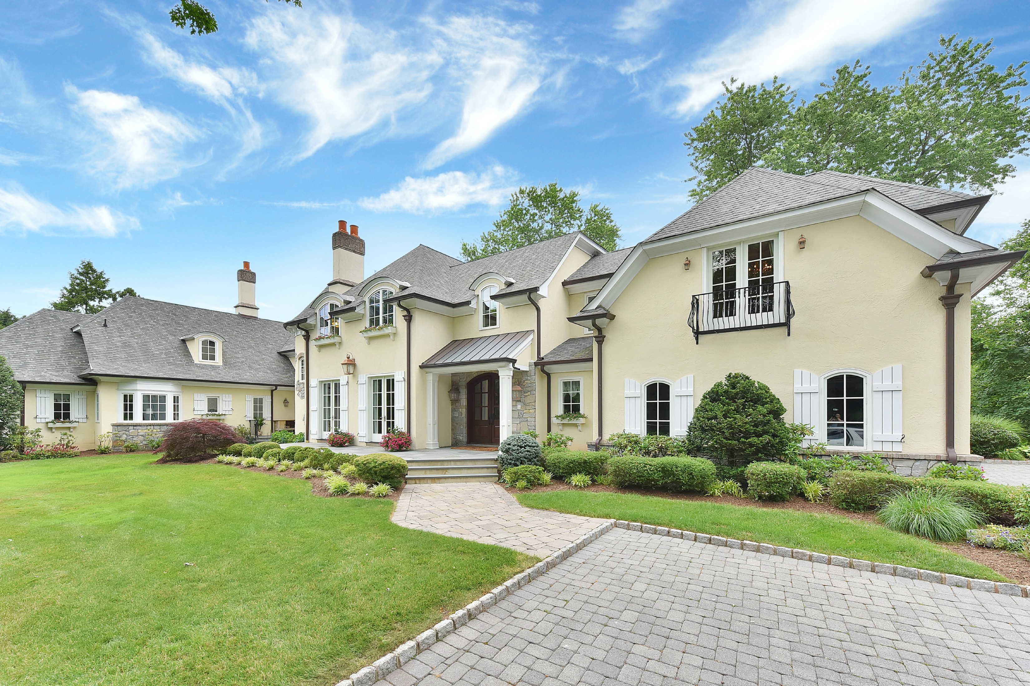 Single Family Home for Sale at Stunning English Manor 551 Overlook Drive Wyckoff, 07481 United States