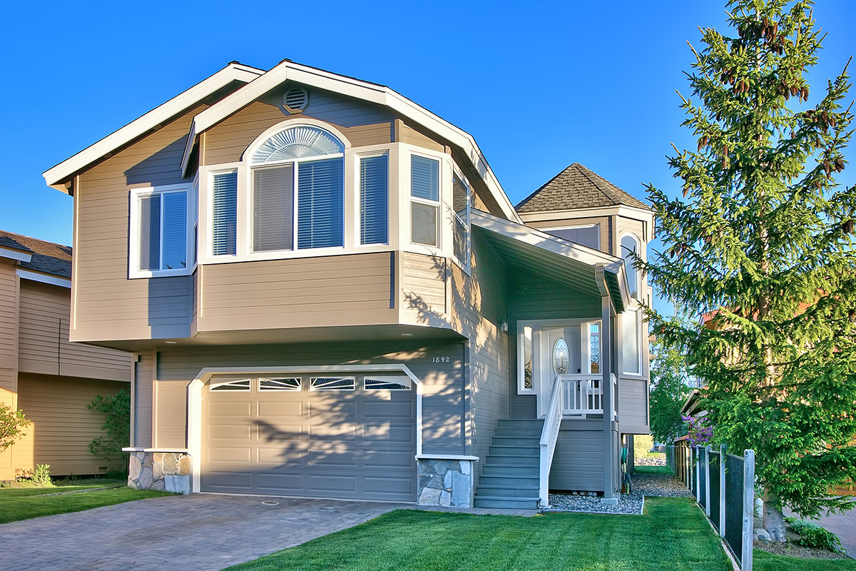 Single Family Home for Active at 1892 Cascade Court South Lake Tahoe, California 96150 United States