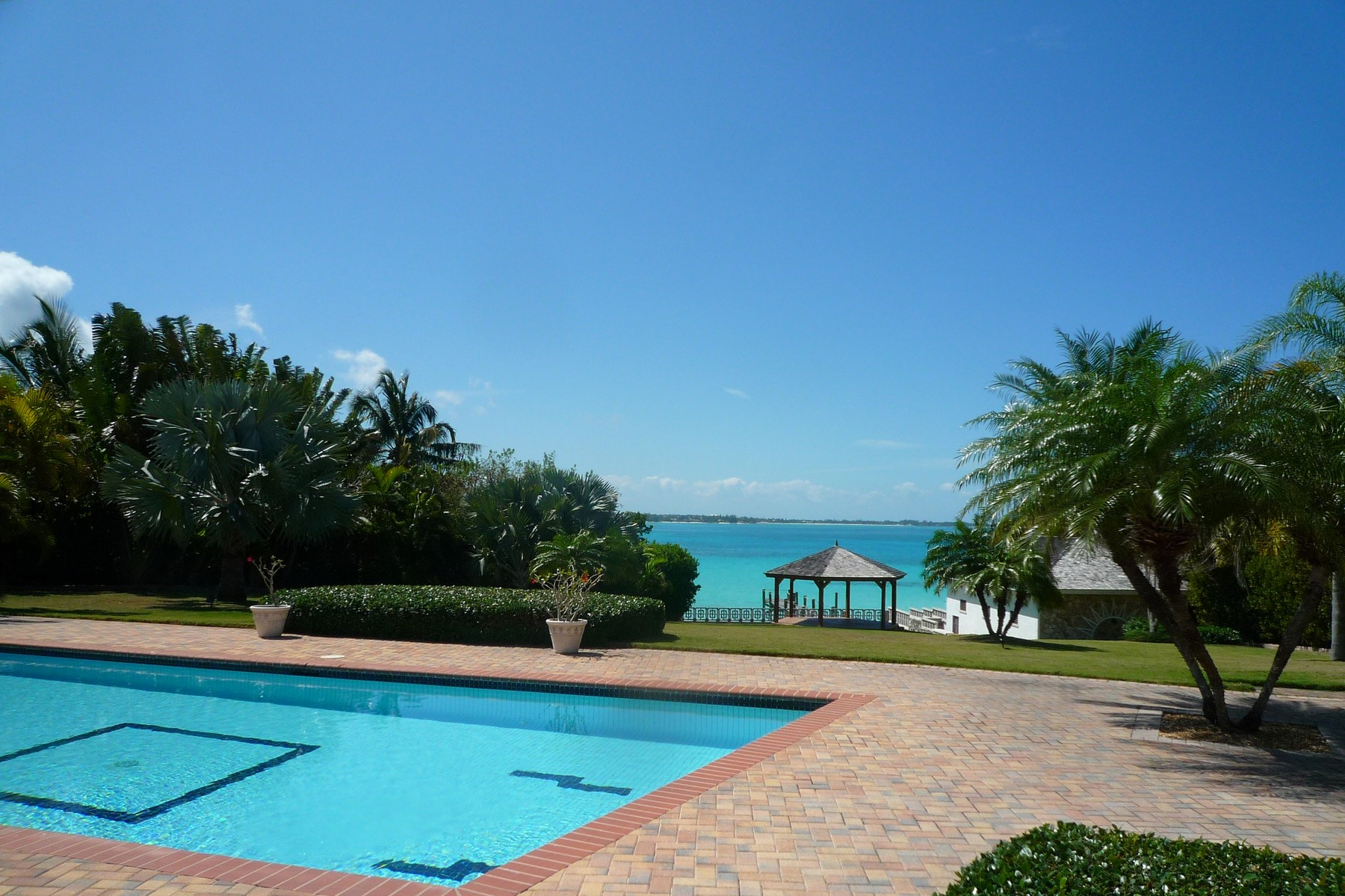 Single Family Home for Sale at Seclusion West Bay Street, Nassau And Paradise Island Bahamas