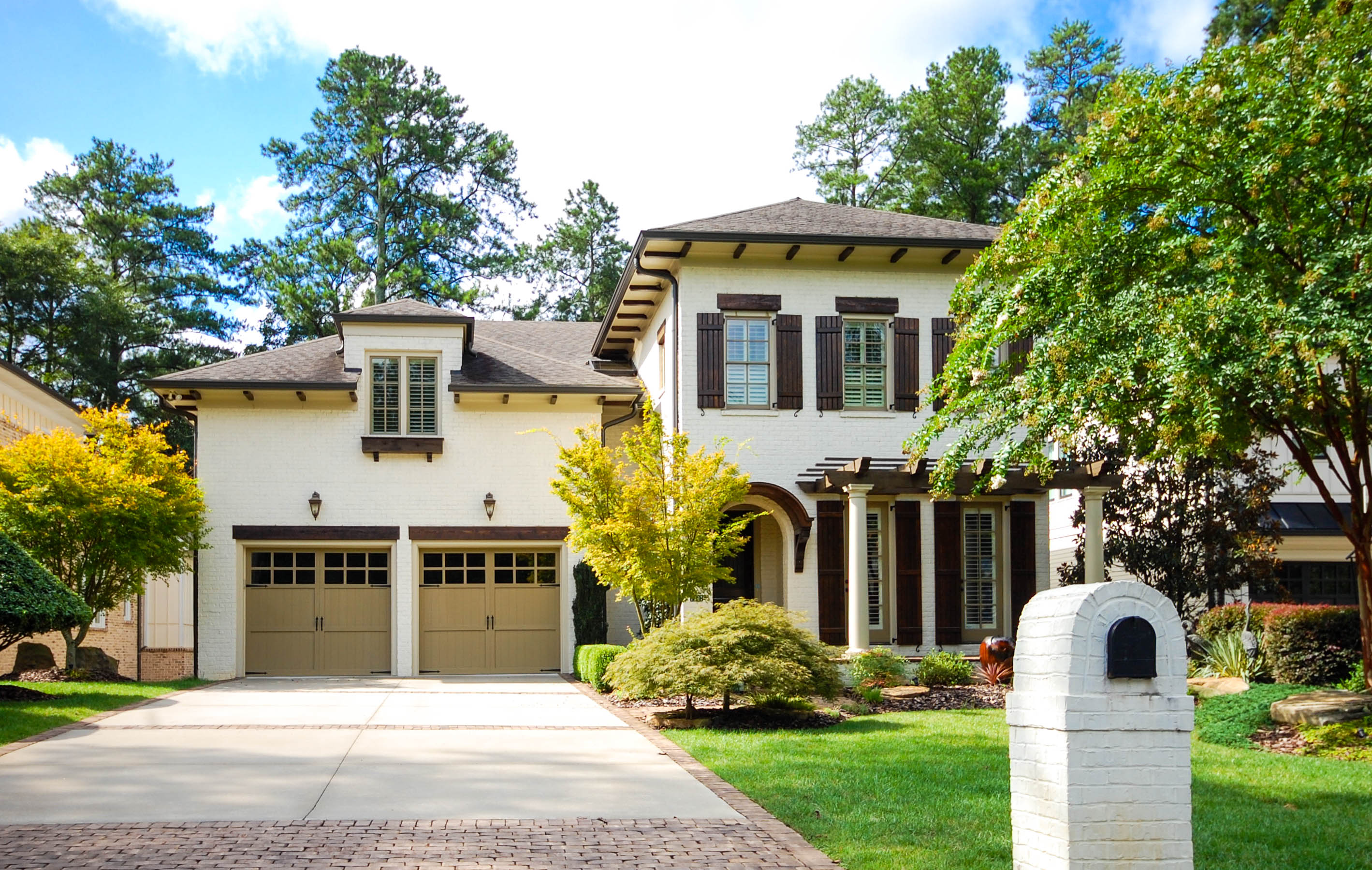 Casa Unifamiliar por un Venta en Custom Home in Brookhaven 1791 Duke Road Brookhaven, Atlanta, Georgia 30341 Estados Unidos