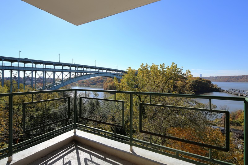合作公寓 为 销售 在 Sponsor Unit 1 BR Conv 2 BR + River Views 2465 Palisade Avenue Riverdale, 纽约州 10463 美国