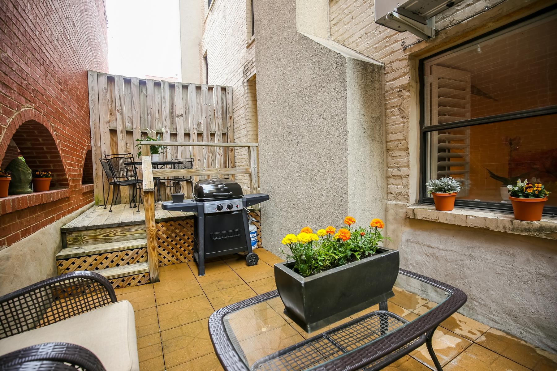 Appartement en copropriété pour l Vente à Kalorama 2145 California St NW #104 Washington, District De Columbia 20008 États-Unis
