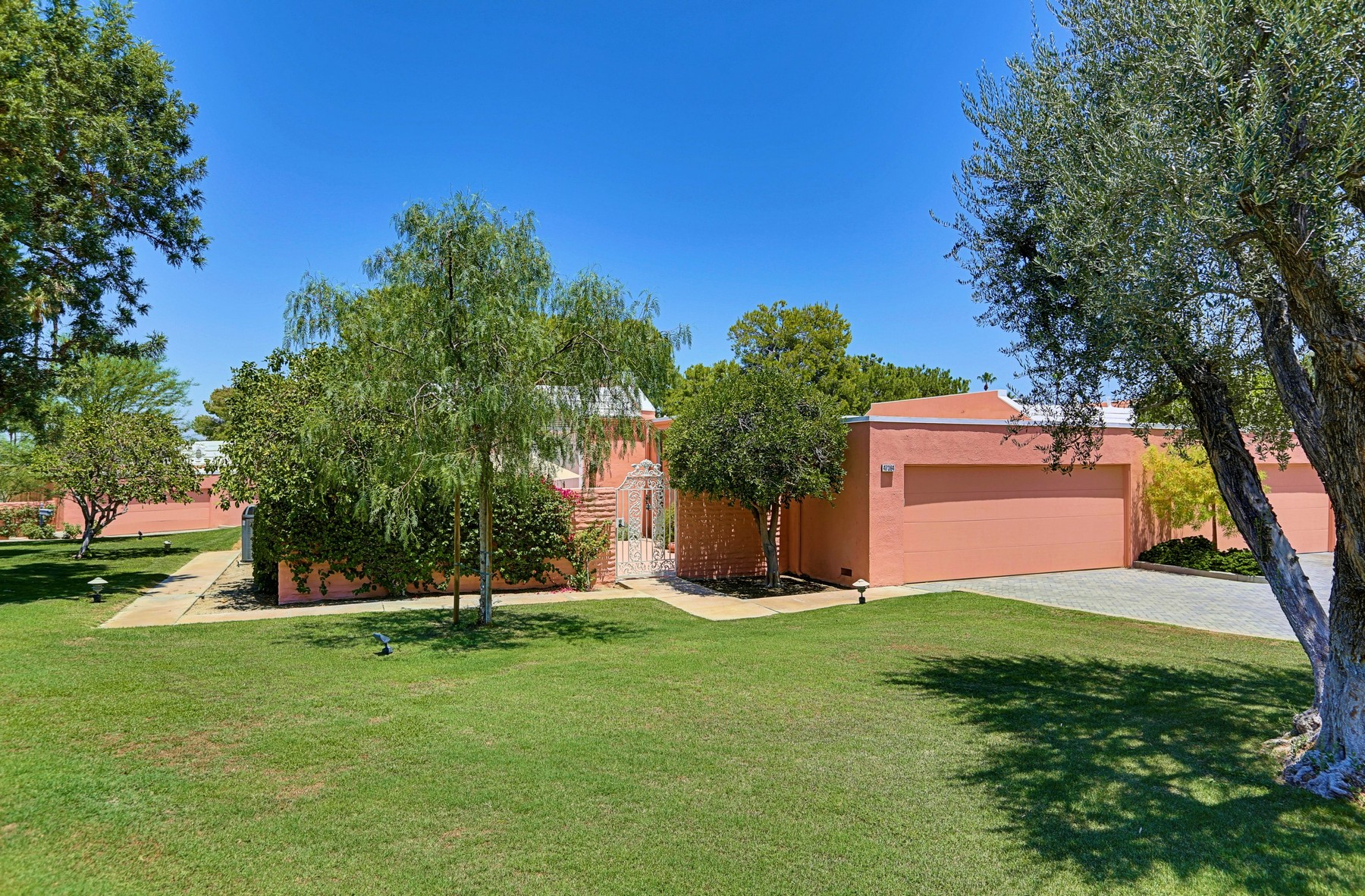 Кондоминиум для того Продажа на 47364 Marrakesh Drive Palm Desert, Калифорния, 92260 Соединенные Штаты