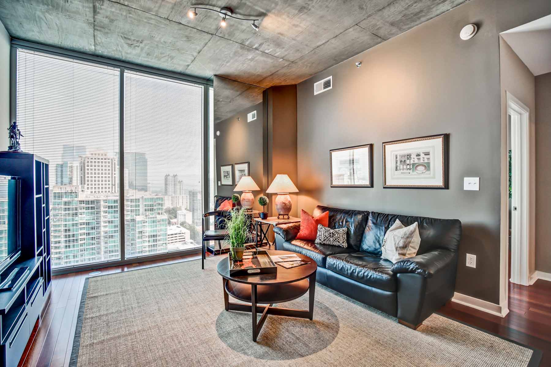 Appartement en copropriété pour l Vente à Amazing one bedroom with all the upgrades 855 Peachtree Street NE No. 2206 Atlanta, Georgia, 30308 États-Unis