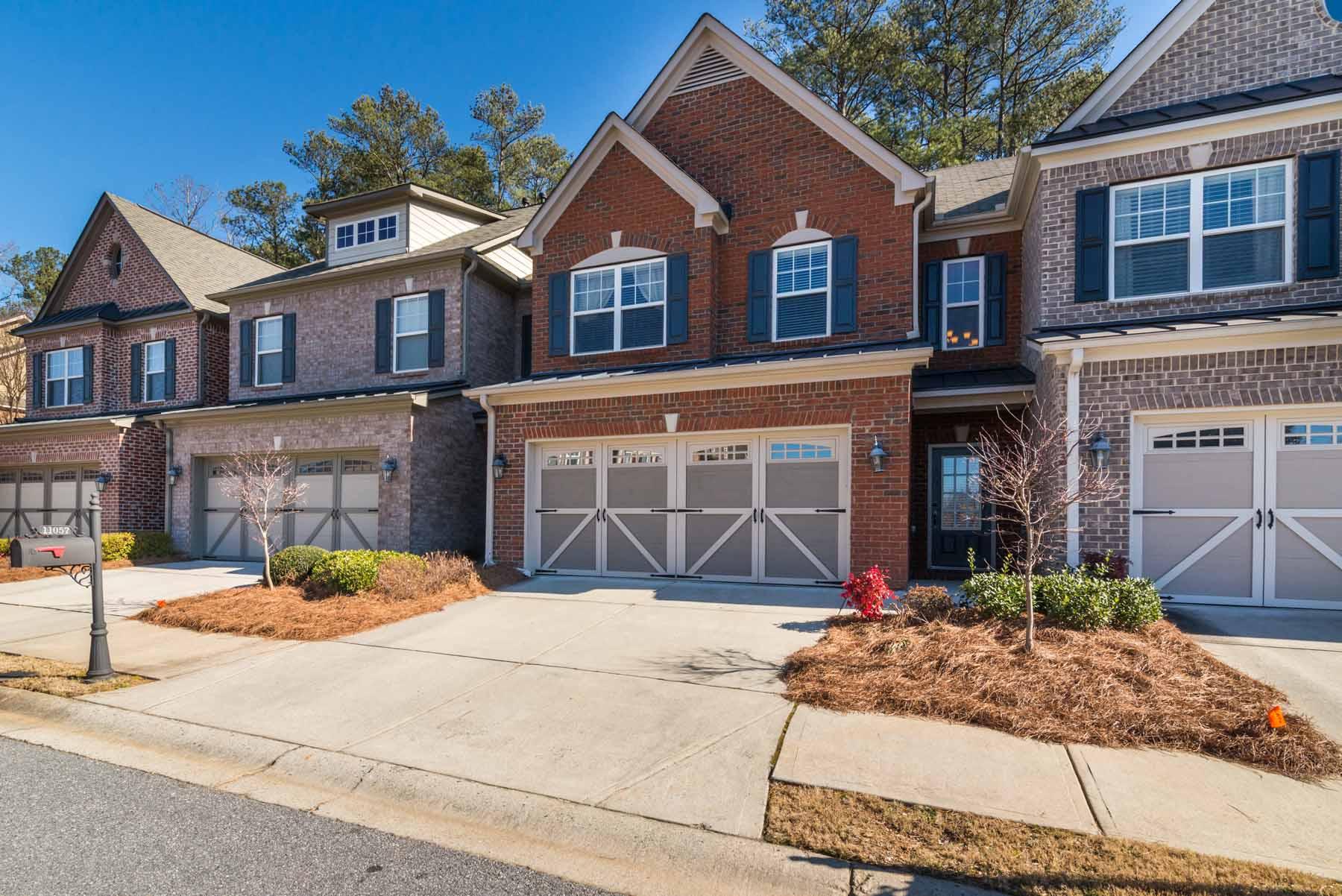 一戸建て のために 売買 アット Exceptionally Maintained Townhome in Top Location 11057 Grey Owl Road Alpharetta, ジョージア 30022 アメリカ合衆国