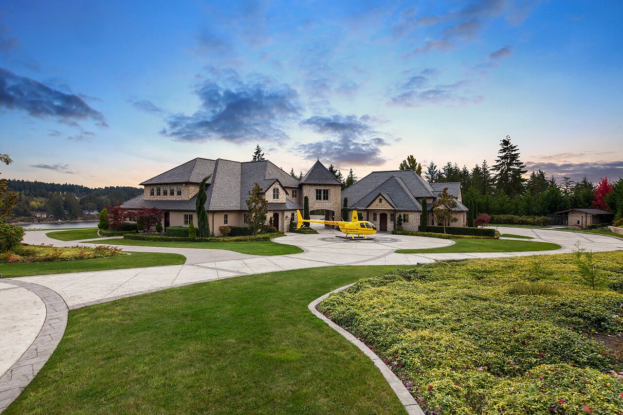 Villa per Vendita alle ore Wollochet Bay French Chateau 4717 19th Street Court NW Gig Harbor, Washington, 98335 Stati Uniti