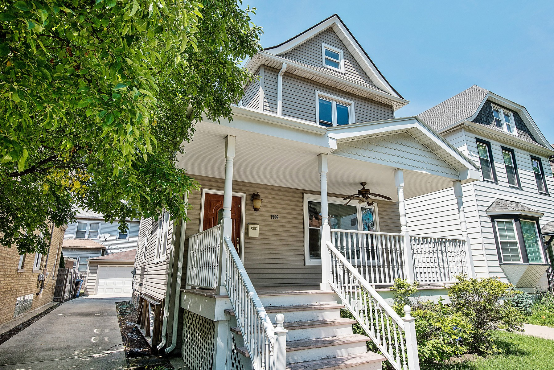 Single Family Home for Sale at Beautiful Gut-Rehabbed Ravenswood Home 1966 W Wilson Avenue Lincoln Square, Chicago, Illinois, 60640 United States