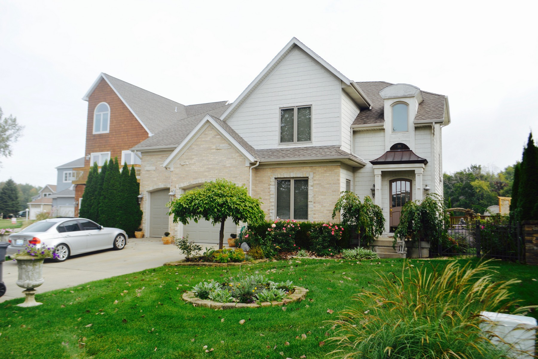 Single Family Home for Sale at Custom Built Riverfront Home 2251 Riverside Point St. Joseph, Michigan 49085 United States
