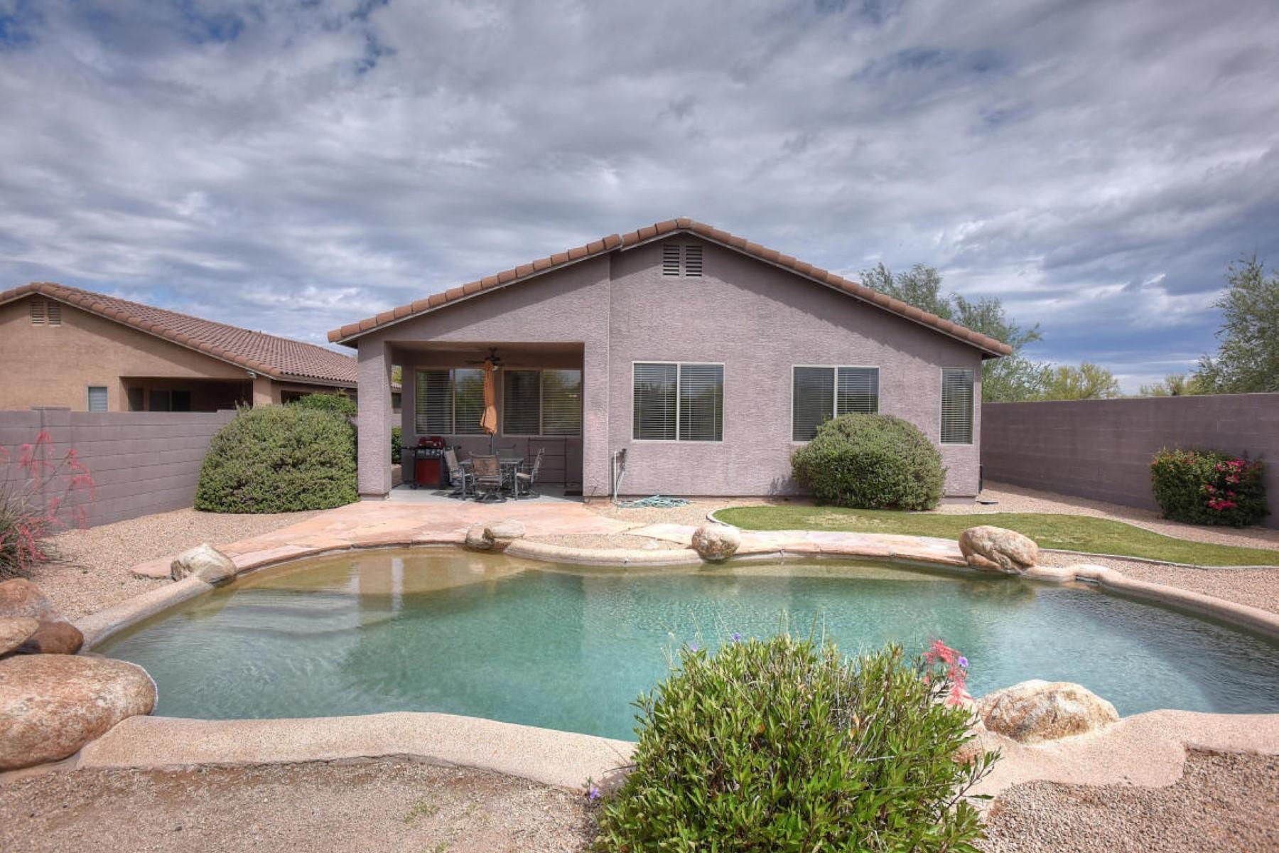 Maison unifamiliale pour l Vente à Adorable 2 bedroom plus den home. 24971 N 74TH PL Scottsdale, Arizona 85255 États-Unis