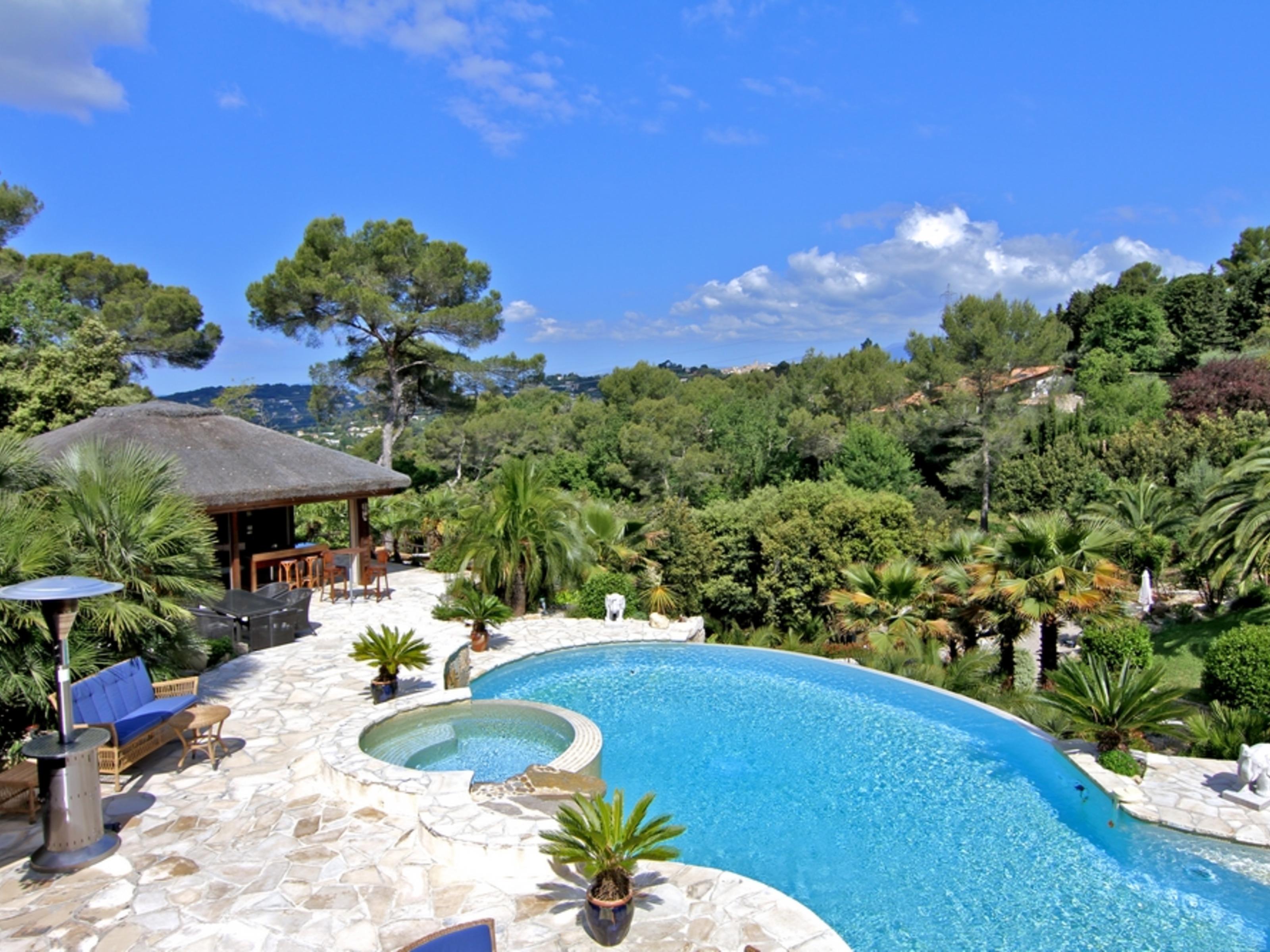 """独户住宅 为 销售 在 Fabulous """"Hollywood"""" style villa Mougins, 普罗旺斯阿尔卑斯蓝色海岸 06250 法国"""