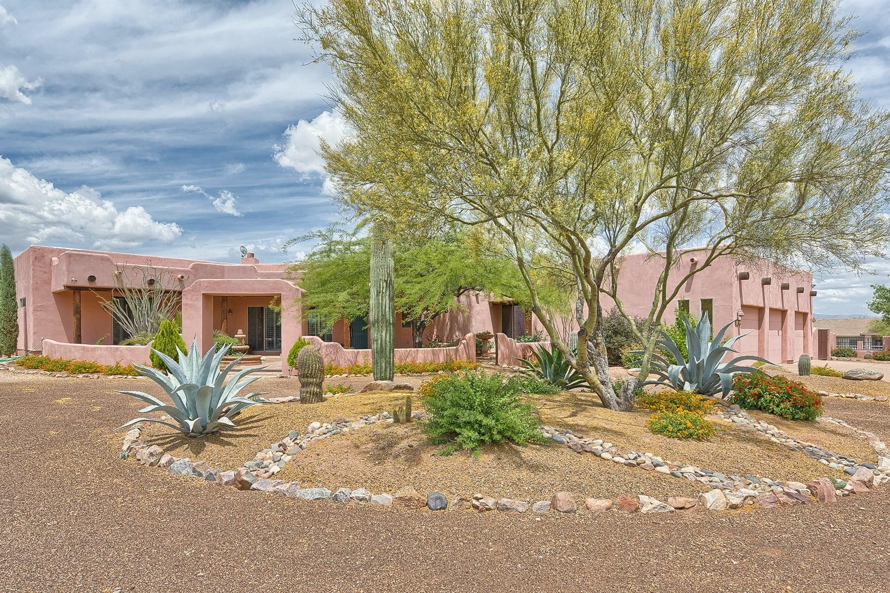 Casa Unifamiliar por un Venta en North Scottsdale custom built 1.3 acre territorial style home. 14516 E Roy Rodgers RD Scottsdale, Arizona 85262 Estados Unidos