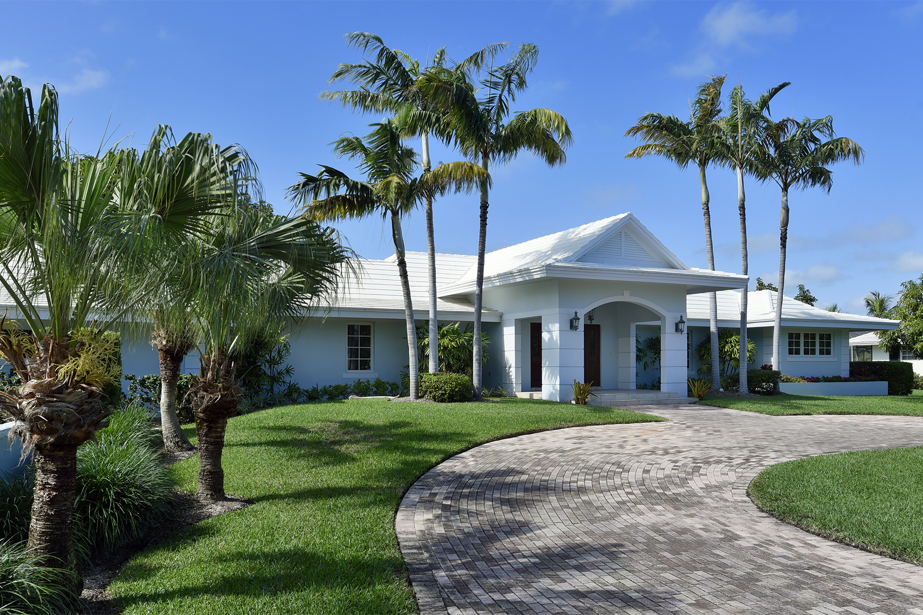Maison unifamiliale pour l Vente à Charming Waterfront Home at Ocean Reef 15 Sunset Cay Road Ocean Reef Community, Key Largo, Florida, 33037 États-Unis