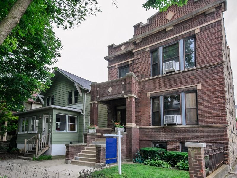 다가구 주택 용 매매 에 Beautiful Two Flat 4744 N Artesian Avenue Lincoln Square, Chicago, 일리노이즈 60625 미국