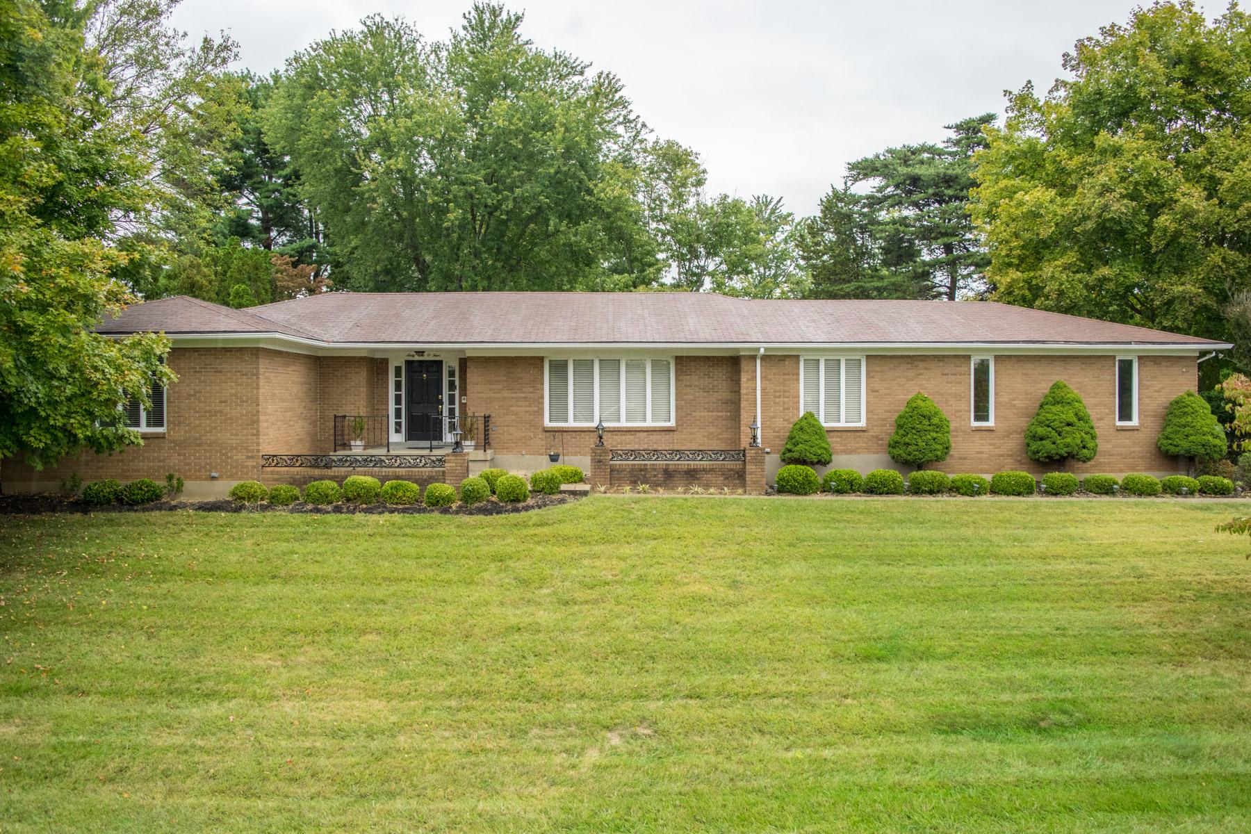 Частный односемейный дом для того Продажа на 6104 Tidewater Court Prospect, Кентукки 40059 Соединенные Штаты