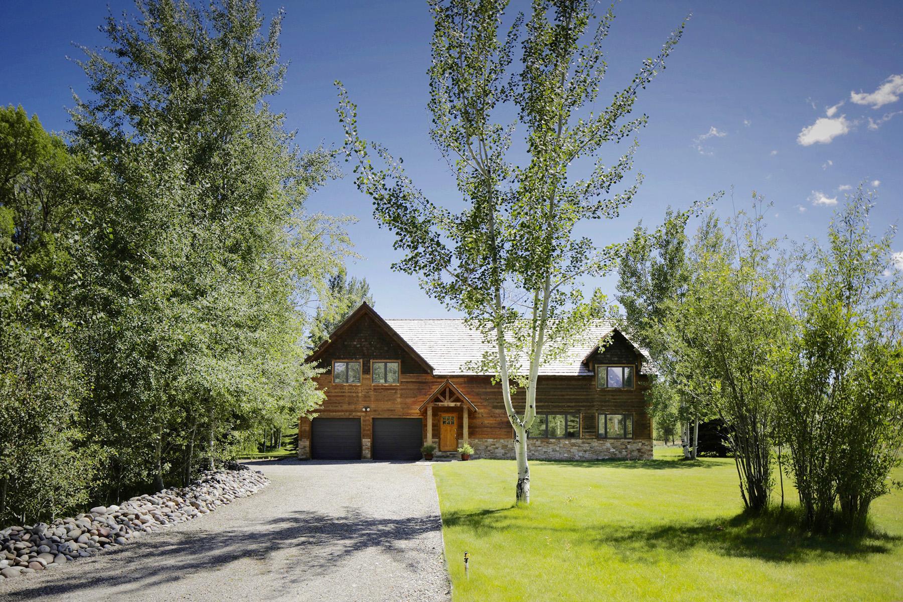 Maison unifamiliale pour l Vente à Timber frame home on 4 Acres 3050 W. Bridger Road Wilson, Wyoming, 83014 Jackson Hole, États-Unis