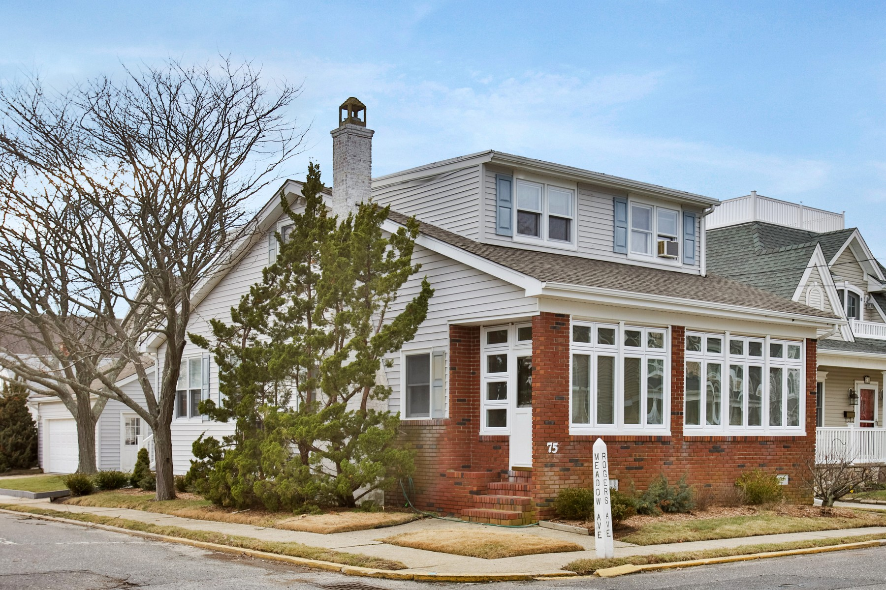 Single Family Home for Sale at Classic Manasquan Beach Home 75 Rogers Ave Manasquan, New Jersey, 08736 United States
