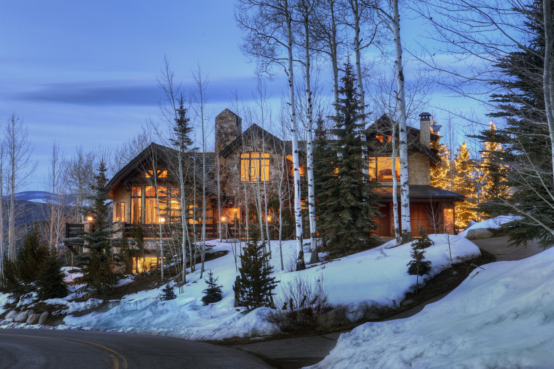 Single Family Home for Sale at Perfect Mountain Retreat 680 Pine Crest Drive Snowmass Village, Colorado 81615 United States