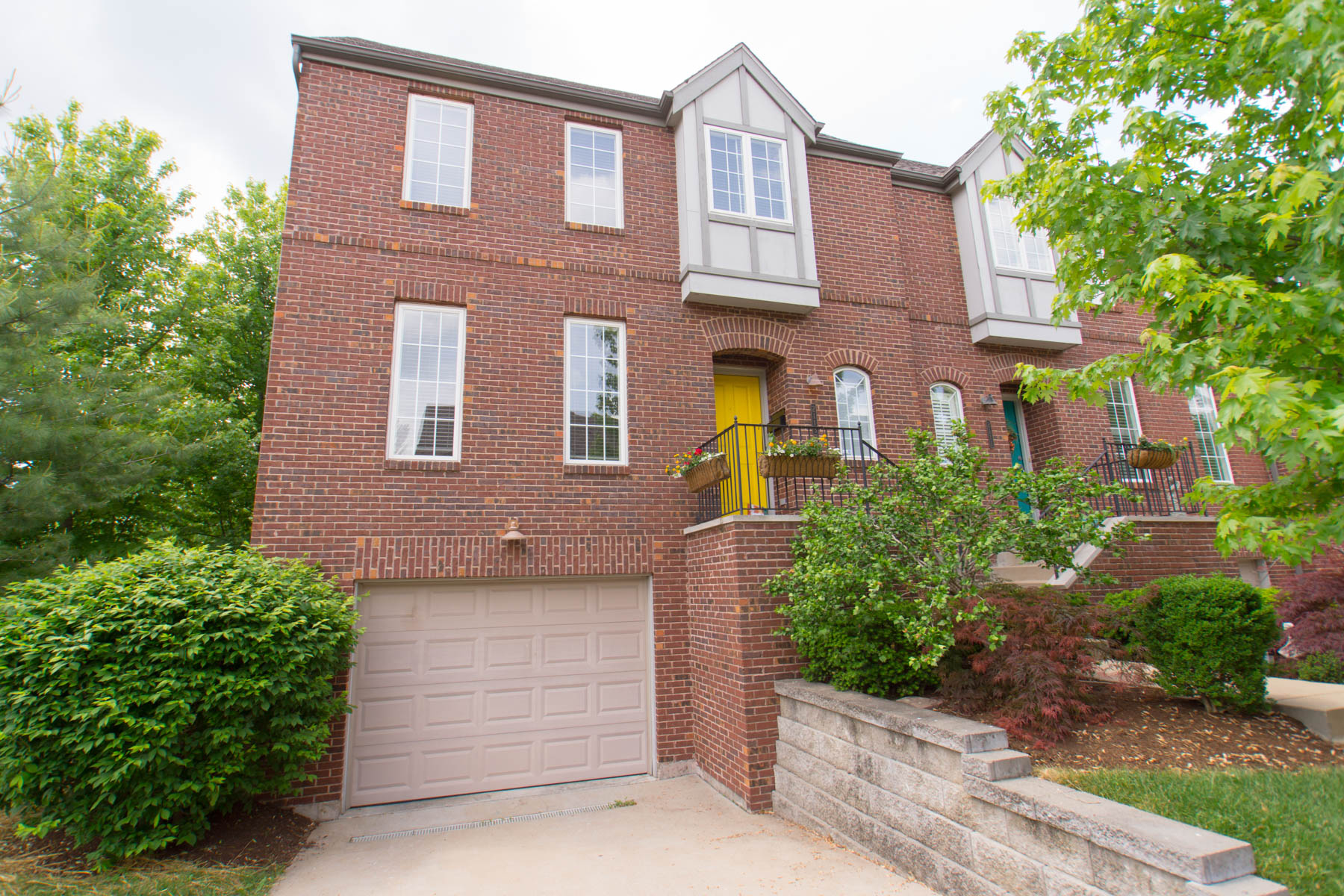 Single Family Home for Sale at Dogtown Walk 2113 Dogtown Walk St. Louis, Missouri 63139 United States