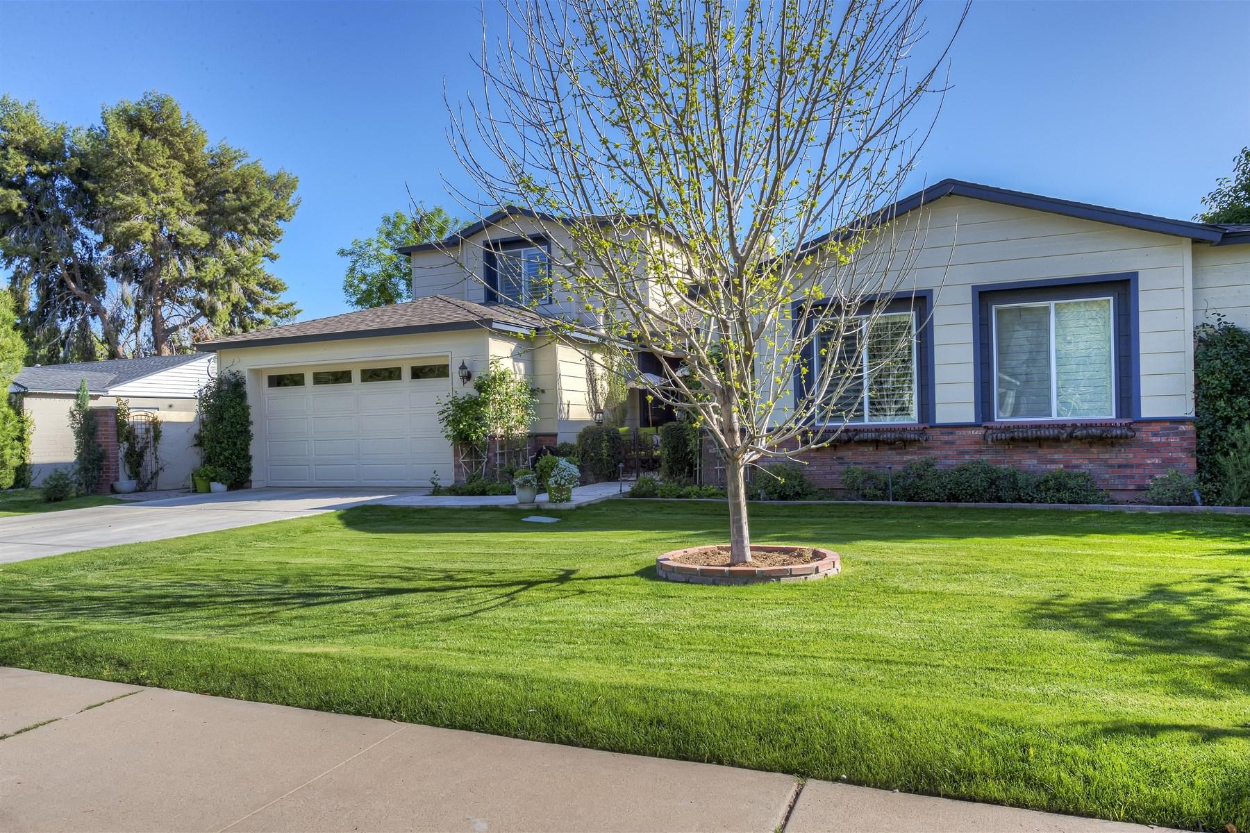 Maison unifamiliale pour l Vente à Fabulous Central Phoenix Home 327 W San Juan Ave Phoenix, Arizona 85013 États-Unis