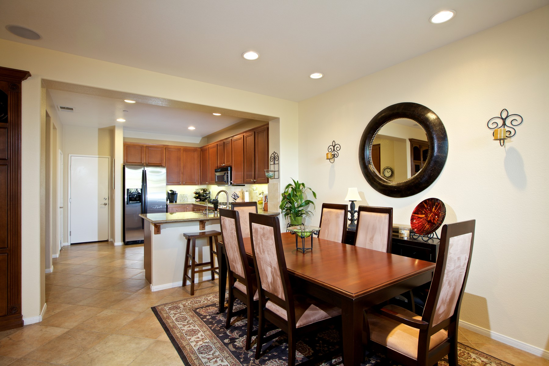 Casa Unifamiliar Adosada por un Venta en 6201 Verda Lane San Diego, California 92130 Estados Unidos