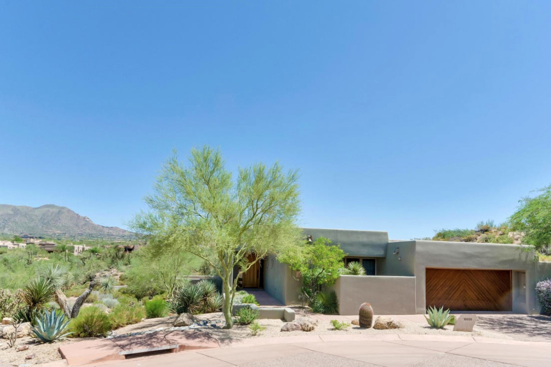 Property For Sale at Fabulous Updated Sonoran Cottage In Desert Mountain