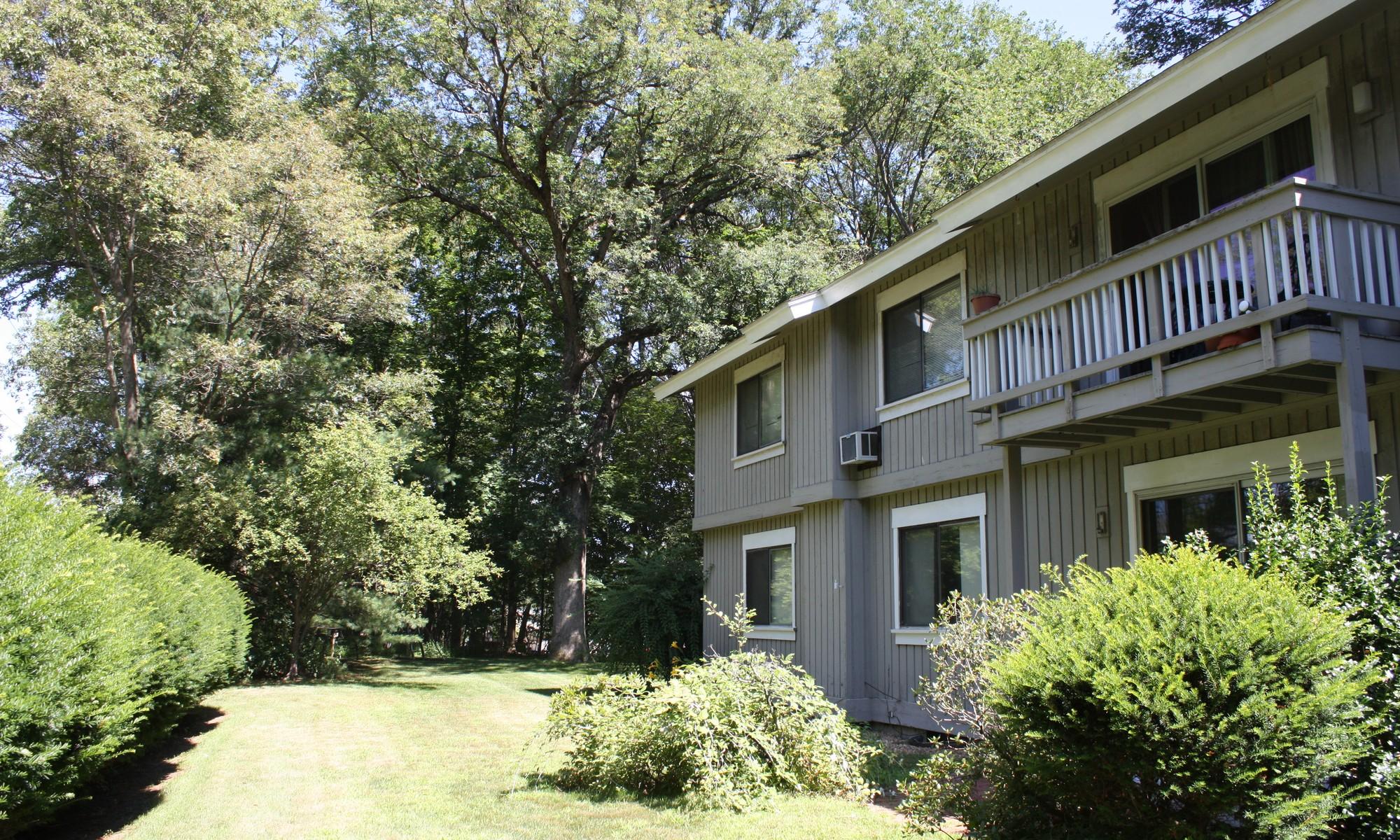 Kat Mülkiyeti için Satış at Walk-to-everything location 8 Ridge Road Lincoln, Massachusetts 01773 Amerika Birleşik Devletleri