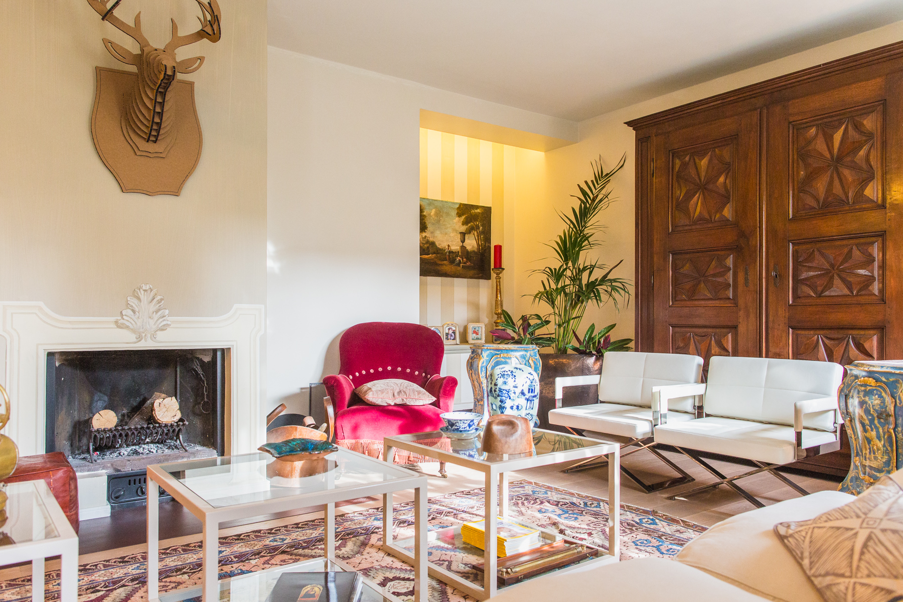 Additional photo for property listing at Refined apartment in the pre-hill of Turin Via Luisa del Carretto Turin, Turin 10131 Italy