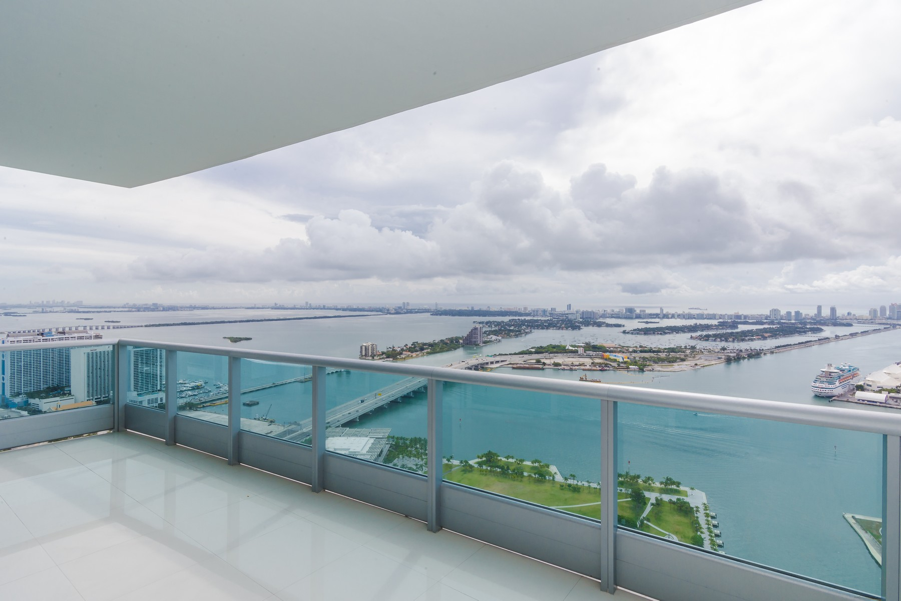 Property For Sale at 900 Biscayne BL #5707