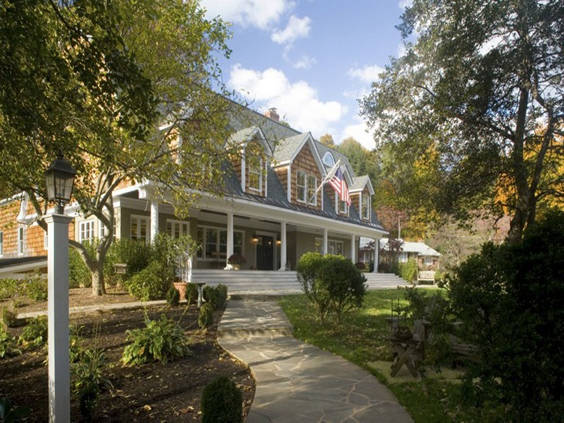 Single Family Home for Sale at 3104 Beechwood Lane, Falls Church 3104 Beechwood Ln Falls Church, Virginia 22042 United States