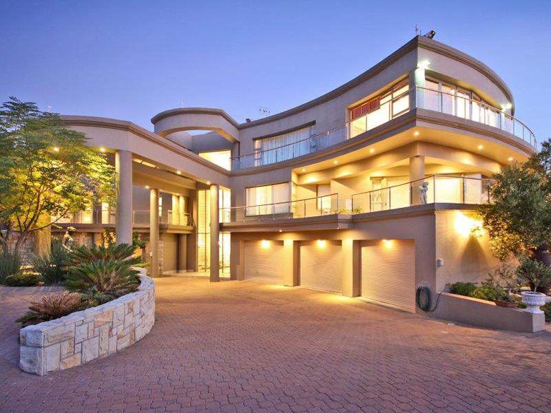 Maison unifamiliale pour l Vente à Spectacular Architectural Splendour Somerset West, Cap-Occidental 7130 Afrique Du Sud