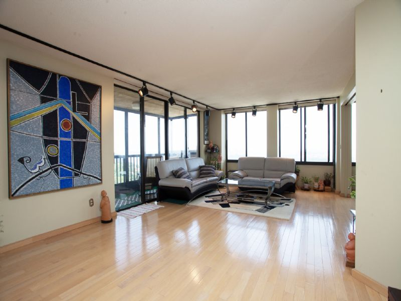 콘도미니엄 용 매매 에 Spectacular views in large three bedroom unit! 200 Winston Drive #2008 Cliffside Park, 뉴저지, 07010 미국