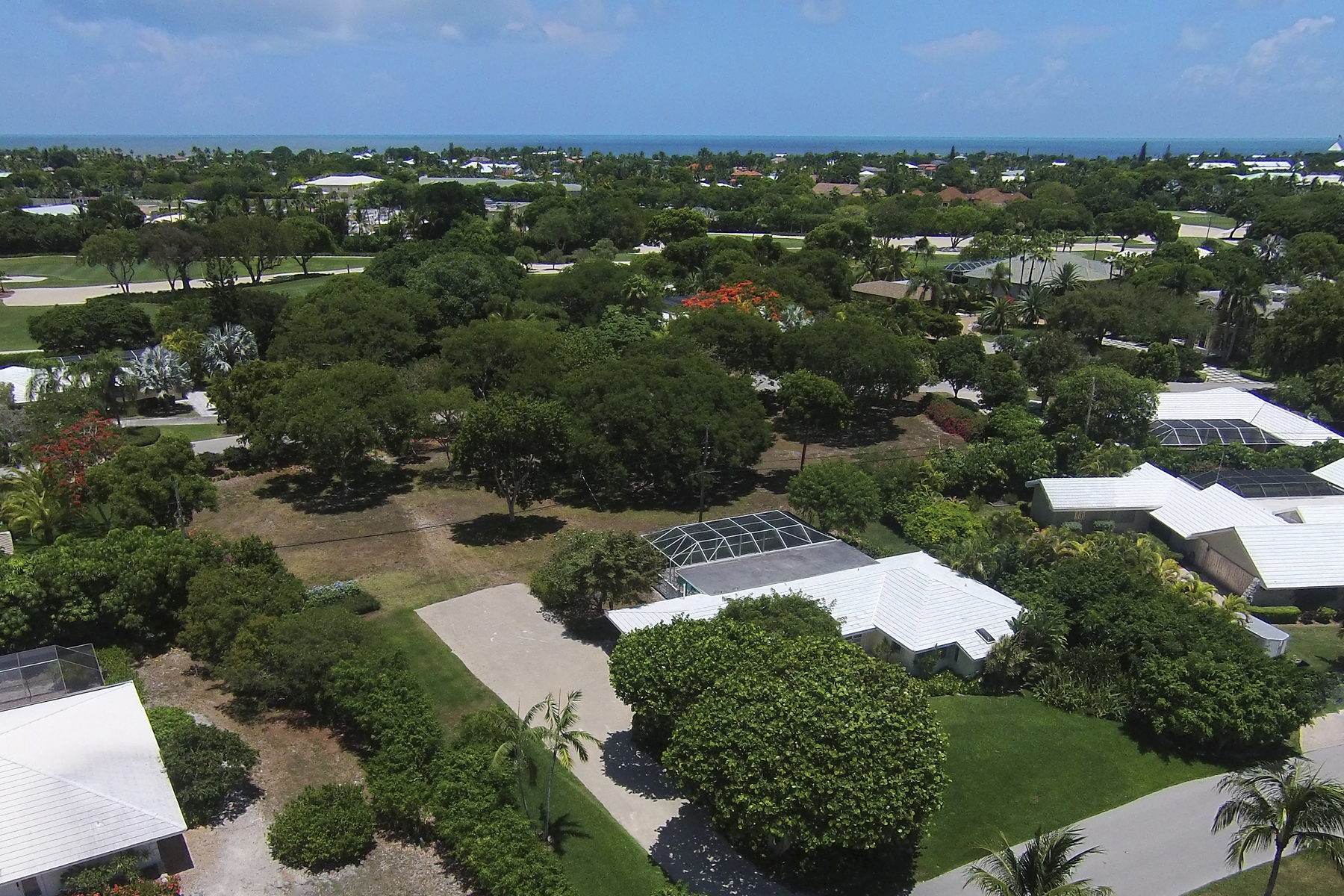 Terreno per Vendita alle ore Vacant Lot at Ocean Reef 13 Country Club Road Key Largo, Florida, 33037 Stati Uniti