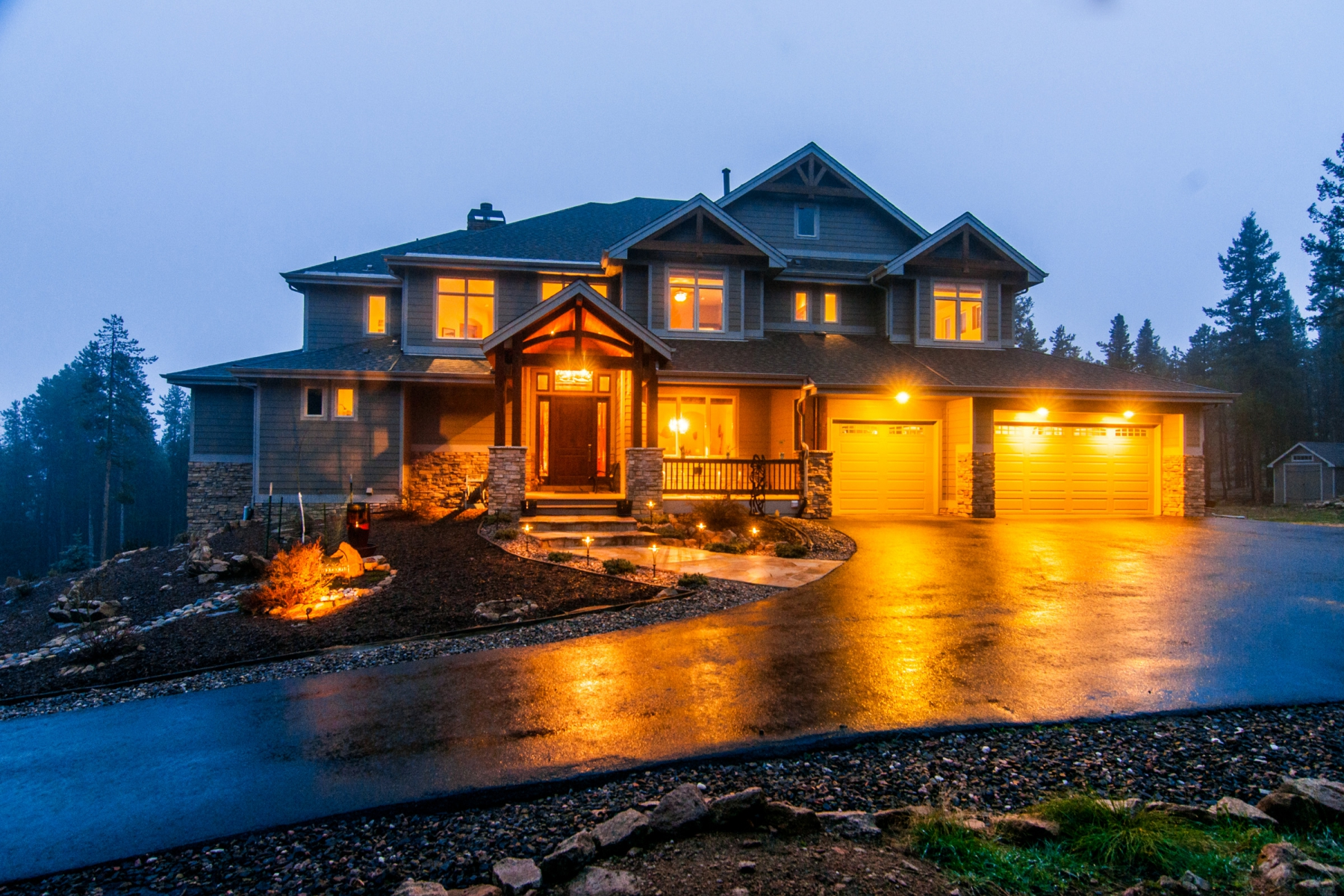 Single Family Home for Sale at Modern Living in Mountain Paradise 11391 Belle Meade Drive Conifer, Colorado 80433 United States
