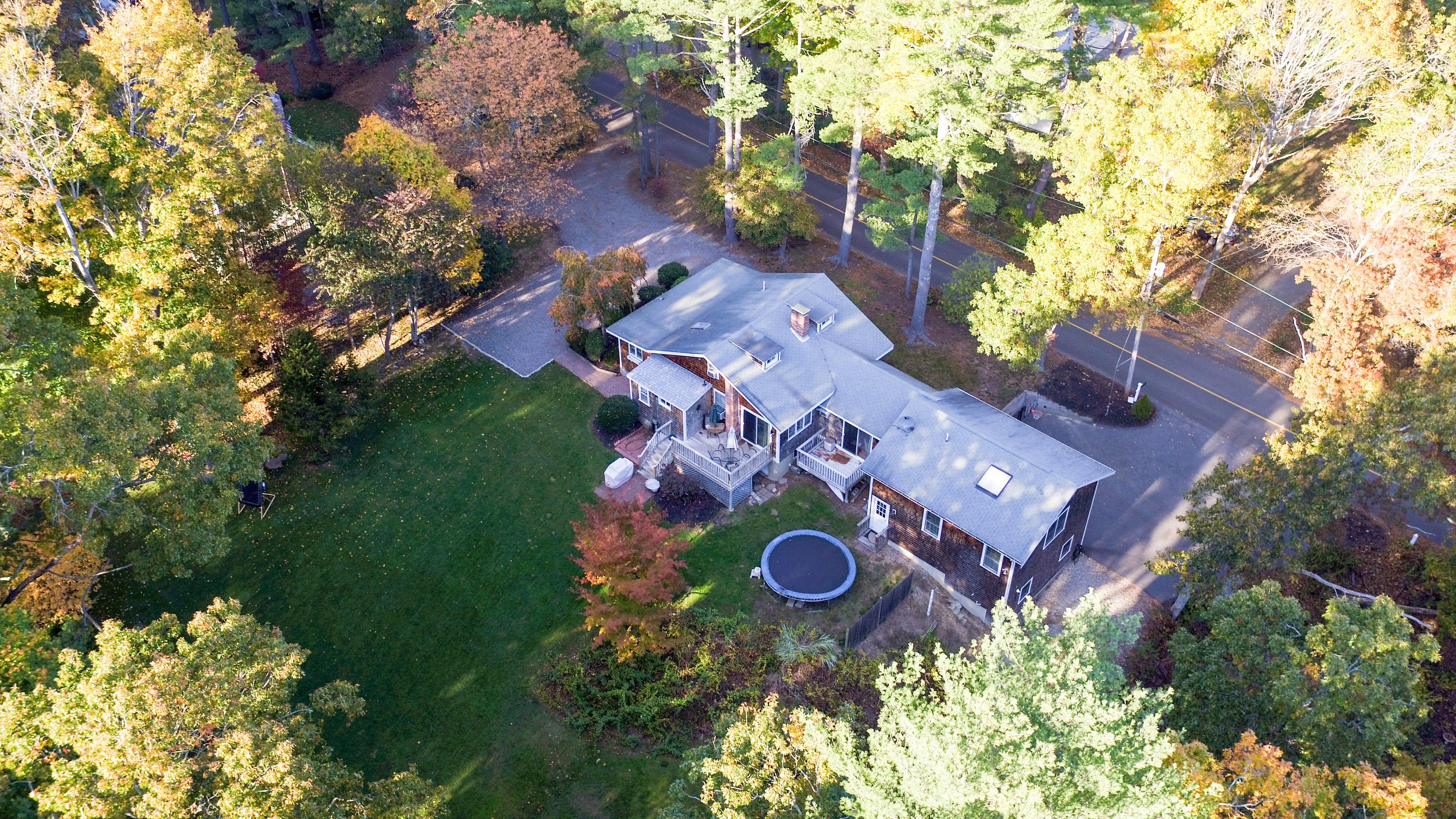 Casa para uma família para Venda às 44 Soule Avenue Duxbury, Massachusetts, 02332 Estados Unidos