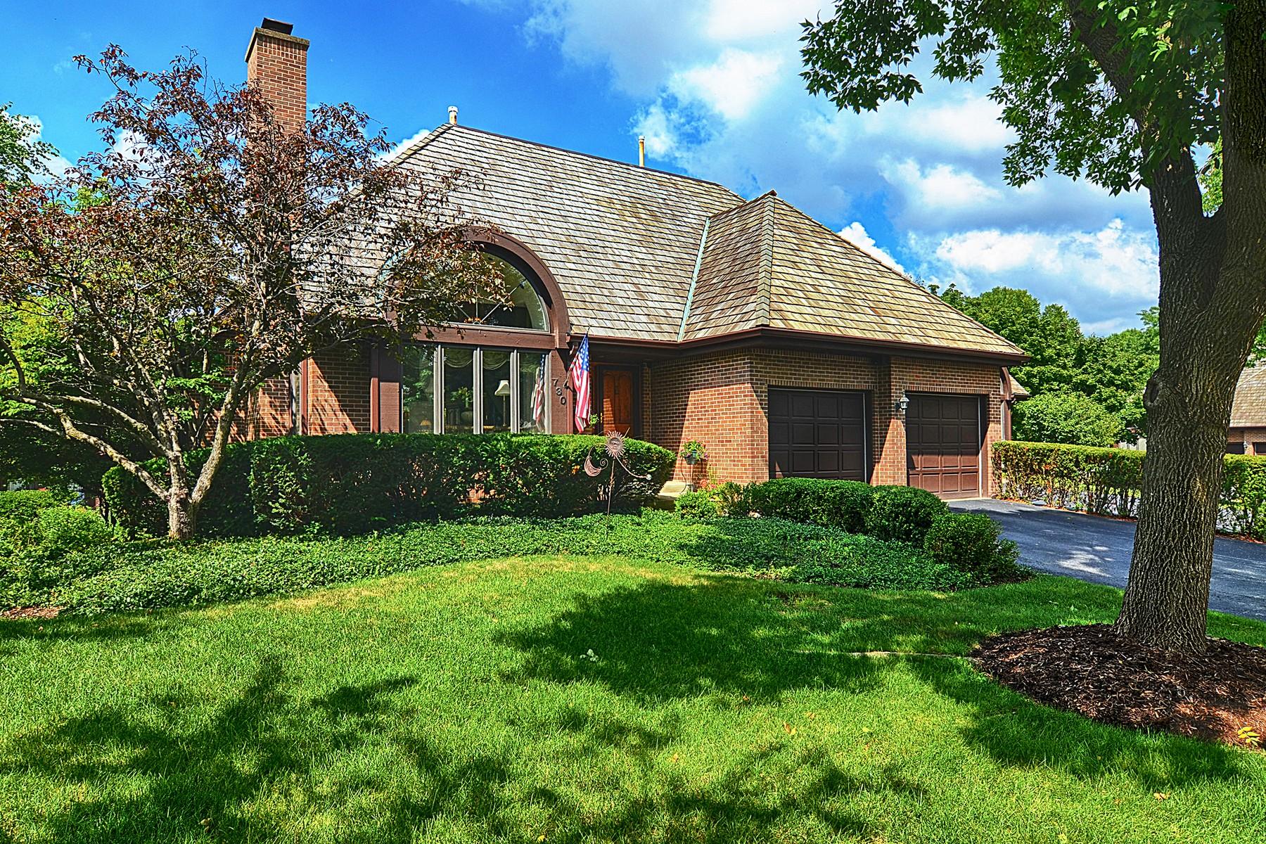 Condominio por un Venta en 730 Pinecrest Hinsdale, Illinois, 60521 Estados Unidos