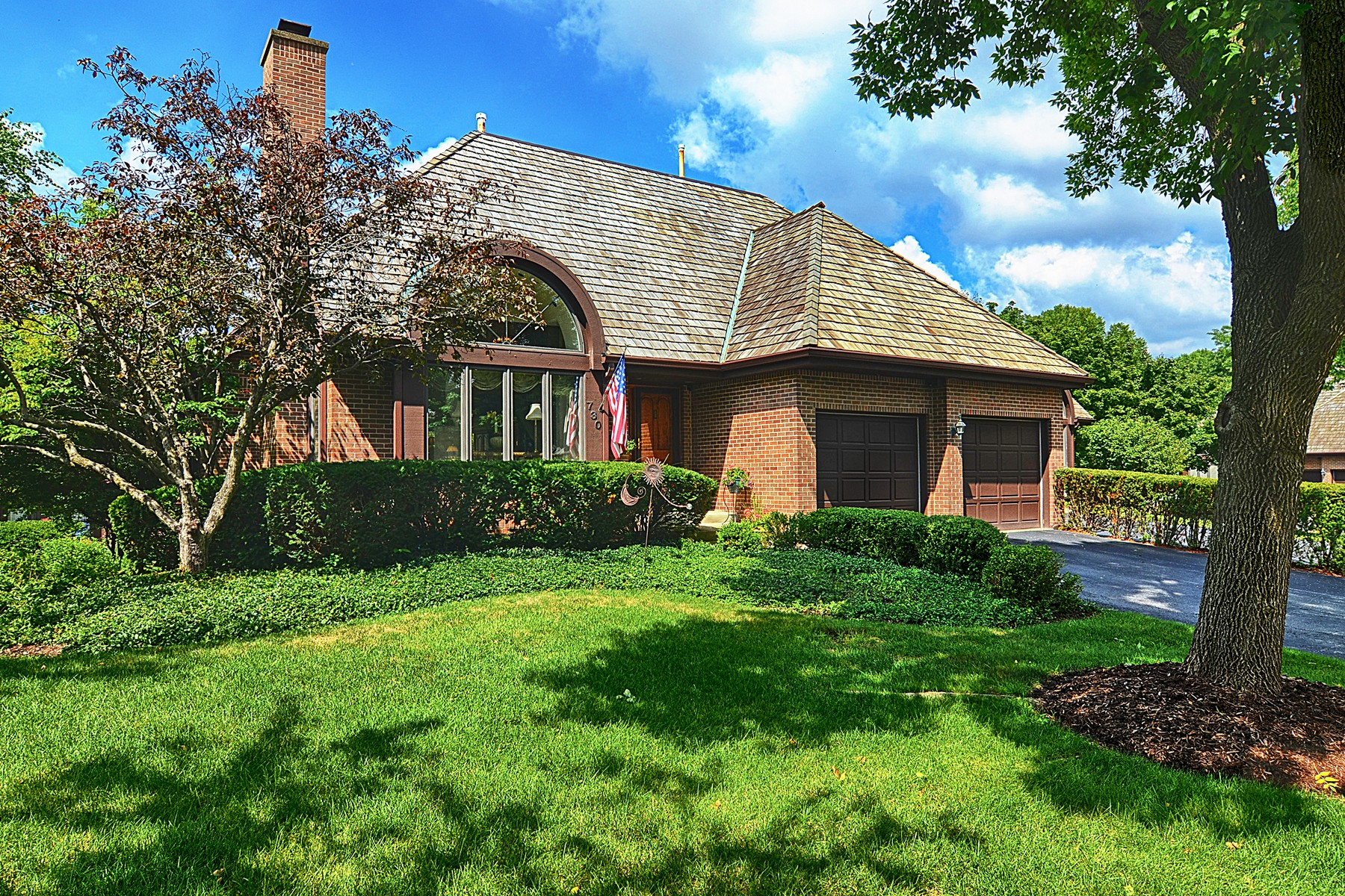 Condomínio para Venda às 730 Pinecrest Hinsdale, Illinois, 60521 Estados Unidos