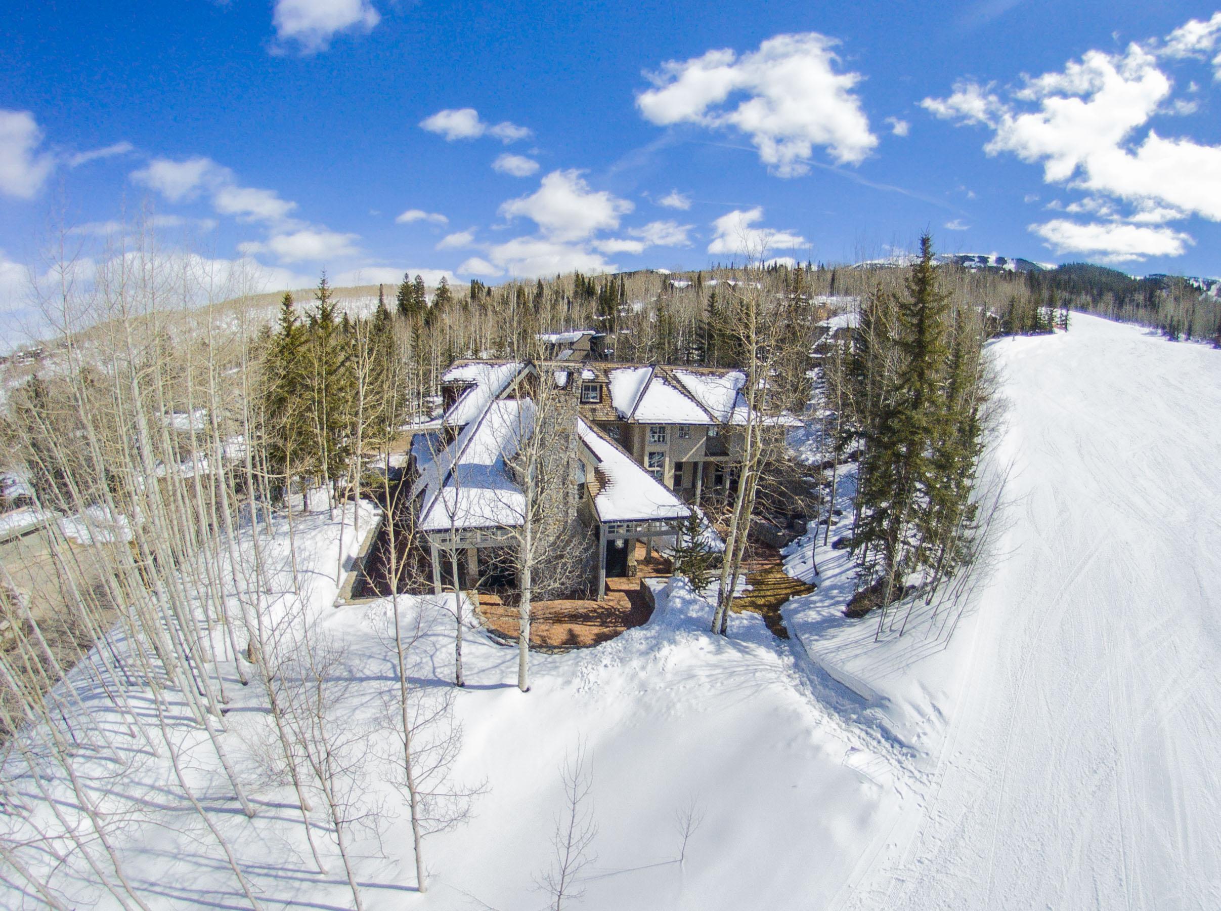 Villa per Vendita alle ore Beautiful Stone and Stucco Residence 1061 Wood Road Snowmass Village, Colorado, 81615 Stati Uniti
