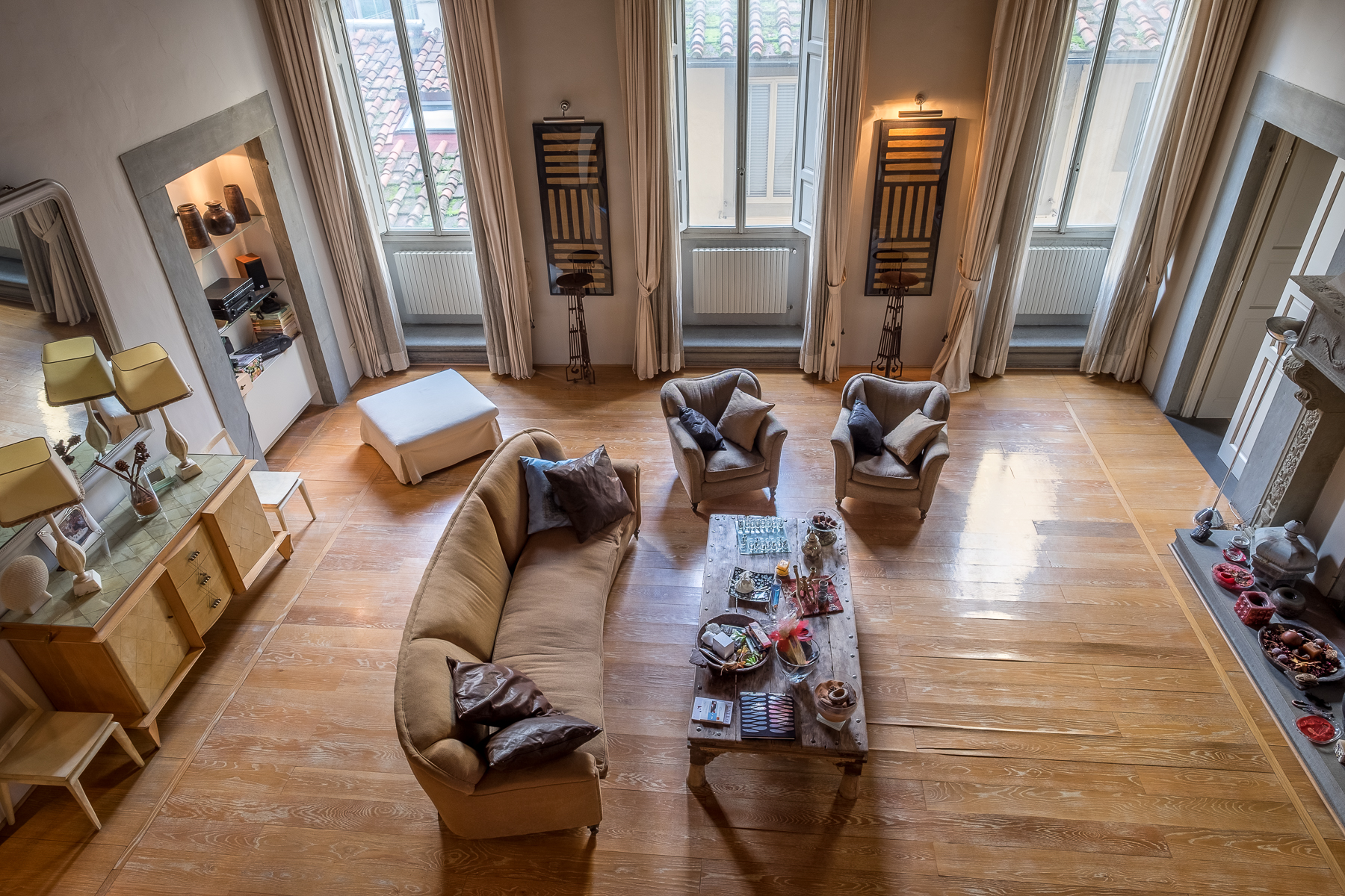 "Additional photo for property listing at Lovely contemporary apartment in historic ""palazzo"" Sant Ambrogio, Firenze, Florence Italy"