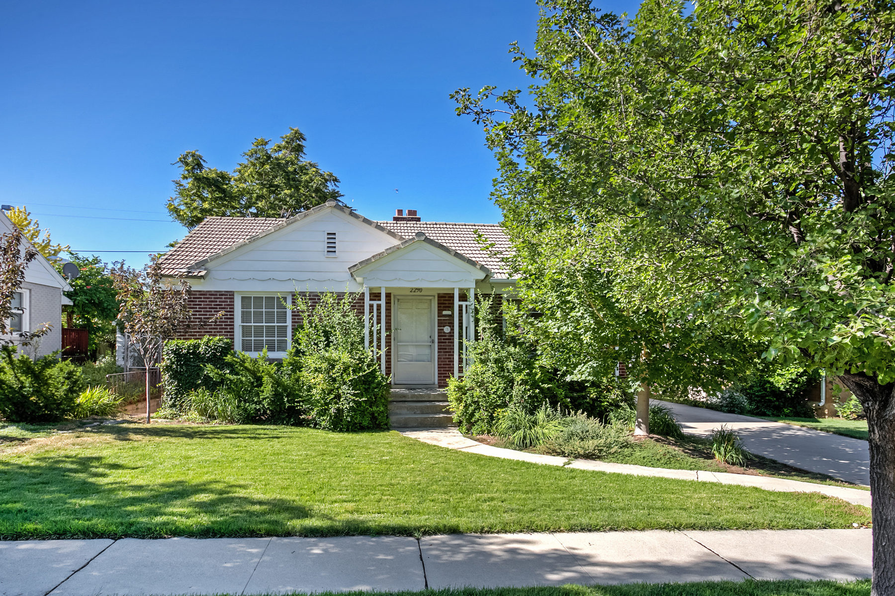Single Family Home for Sale at Traditional Sugar House Bungalow 2250 S Redondo Ave Salt Lake City, Utah, 84108 United States