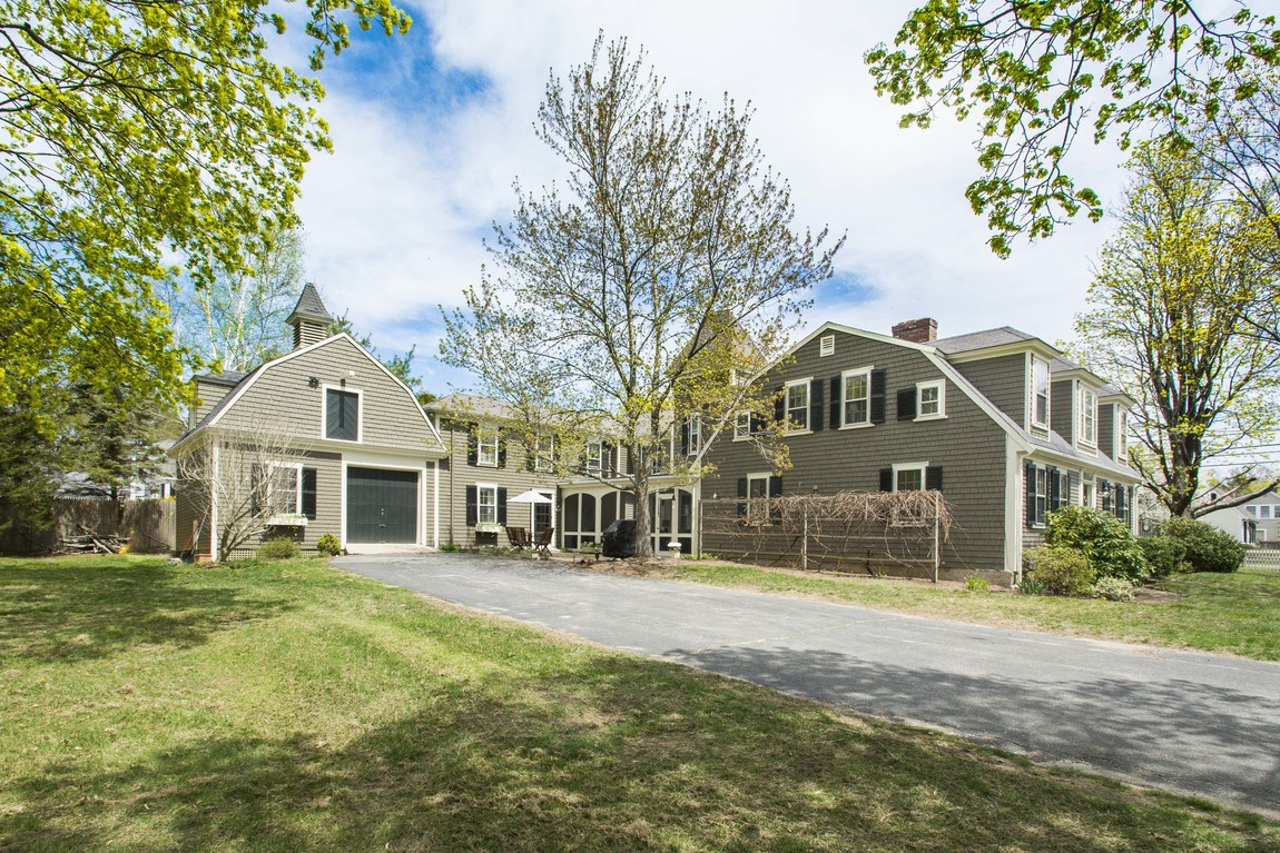 Single Family Home for Sale at Pristine Gambrel 1 Bumblebee Lane Duxbury, Massachusetts 02332 United States
