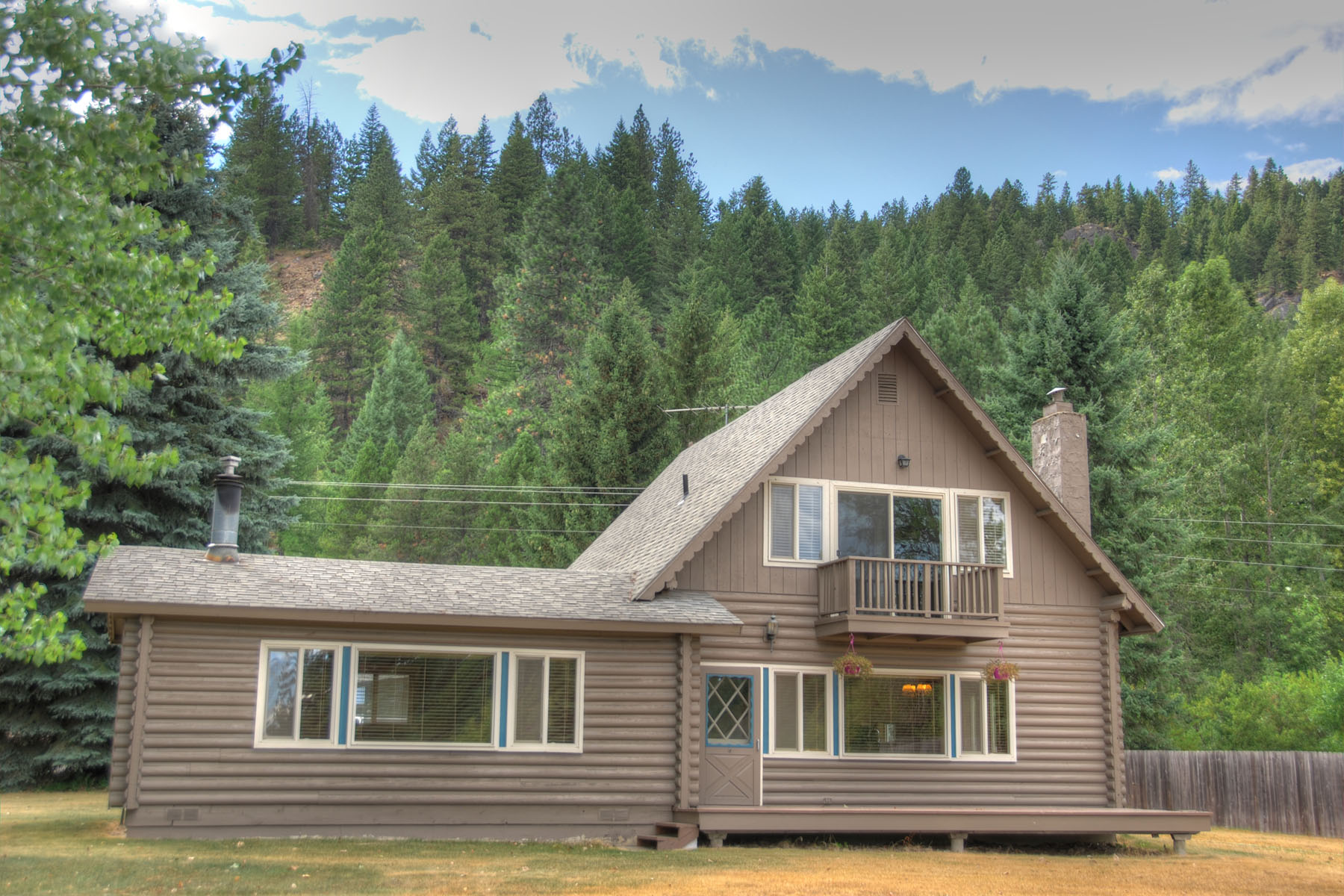 Single Family Home for Sale at Classic ski chalet, located at the base of Schweitzer Mountain 31 Granite Ridge Dr Sandpoint, Idaho, 83864 United States