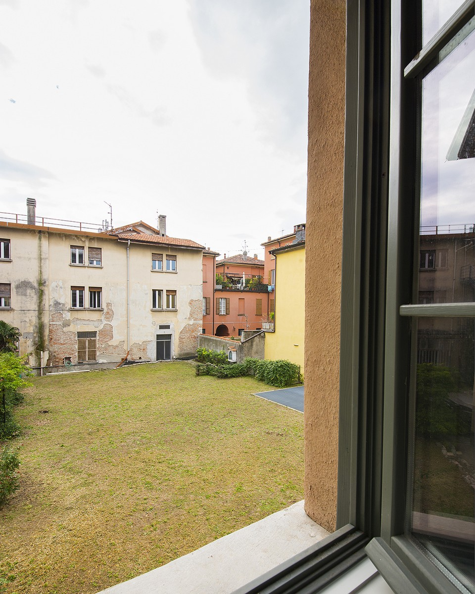 Additional photo for property listing at Magnificent semi-detached house in the historic center of Como Via Cinque Giornate Como, Como 22100 Italia