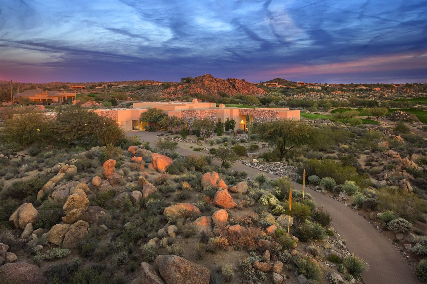 Maison unifamiliale pour l Vente à Exquisite Residence in Dramatic Troon North Setting 10198 E Duane Lane Scottsdale, Arizona 85262 États-Unis