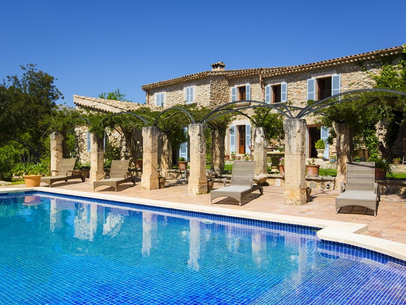 Casa para uma família para Venda às Charming country house in Es Capdellá Calvia, Palma De Maiorca 07182 Espanha