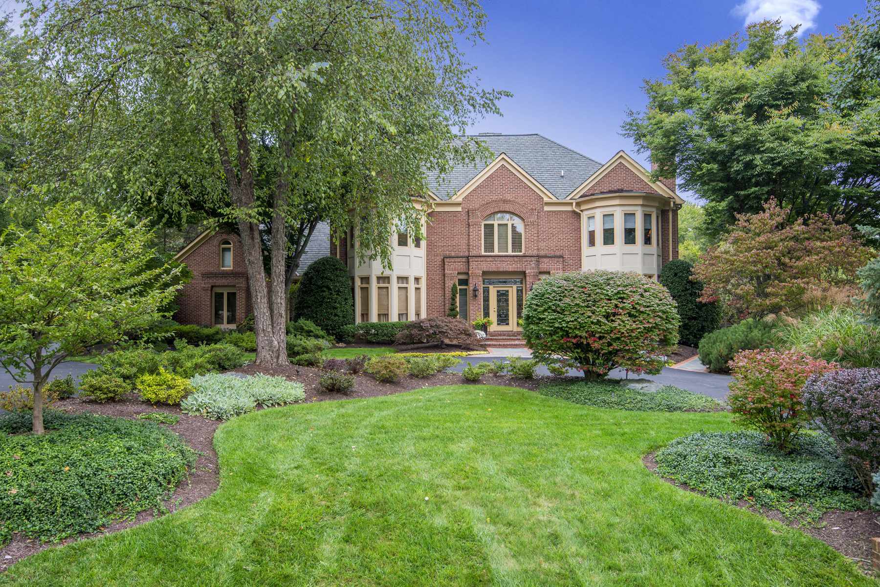 Single Family Home for Sale at 9237 Cambridge Manor Court, Potomac 9237 Cambridge Manor Ct Potomac, Maryland, 20854 United States